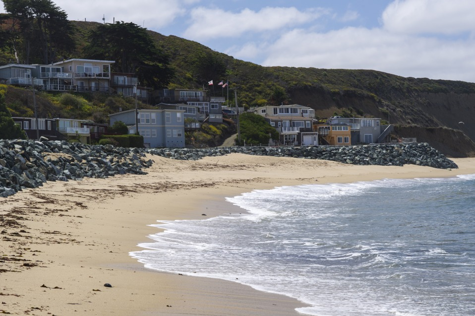 Billionaire Khosla Spars With Surfers Over Pacific Beach Access