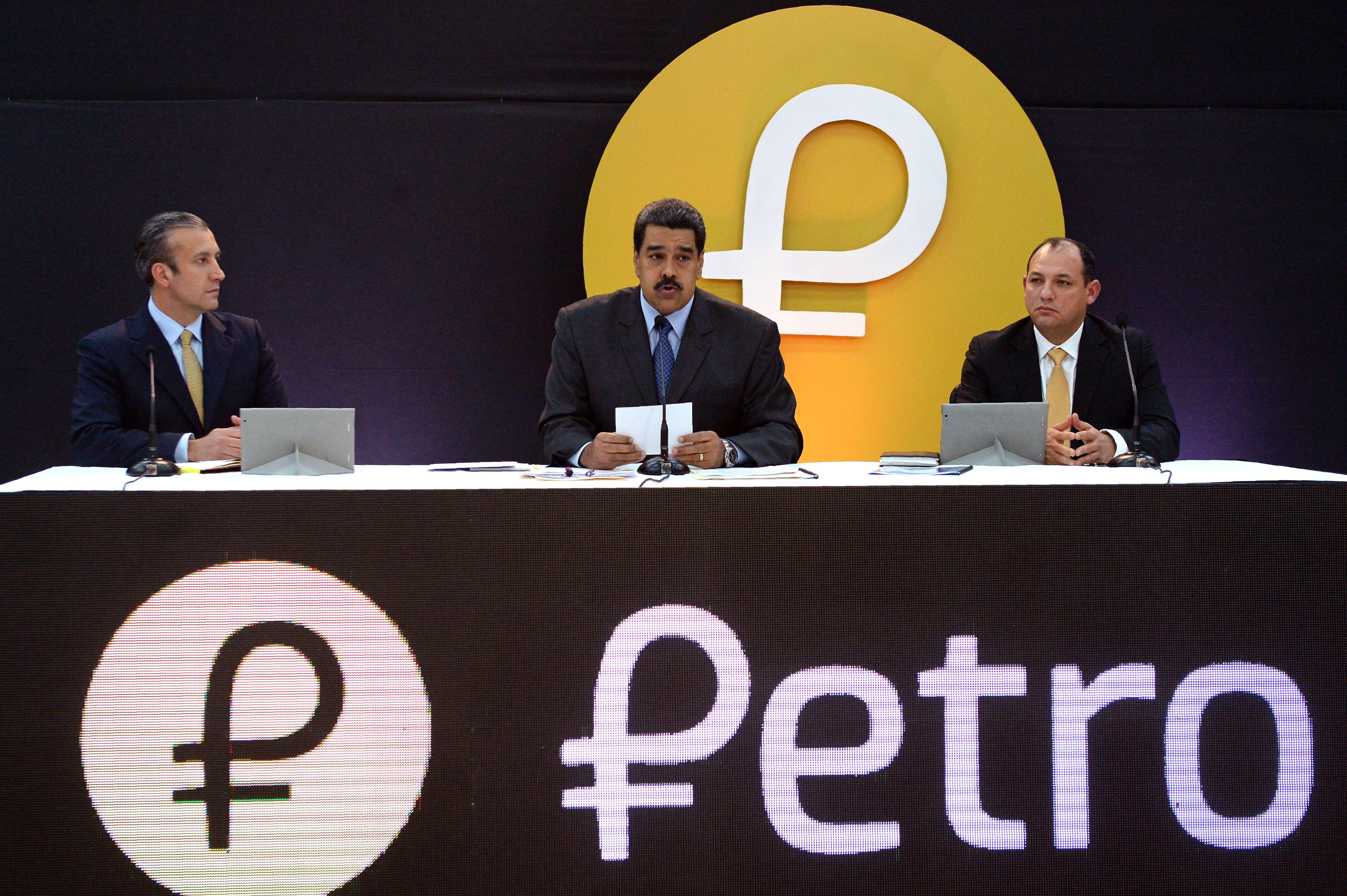 VENEZUELA-nicolas-MADURO-PETRO
