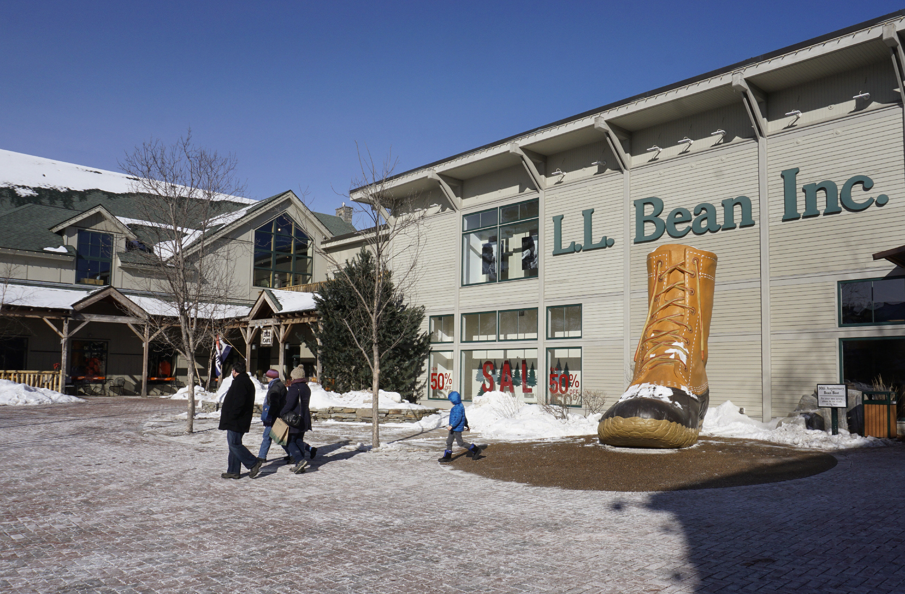 L.L. Bean flagship store in Maine with giant Bean boot outside