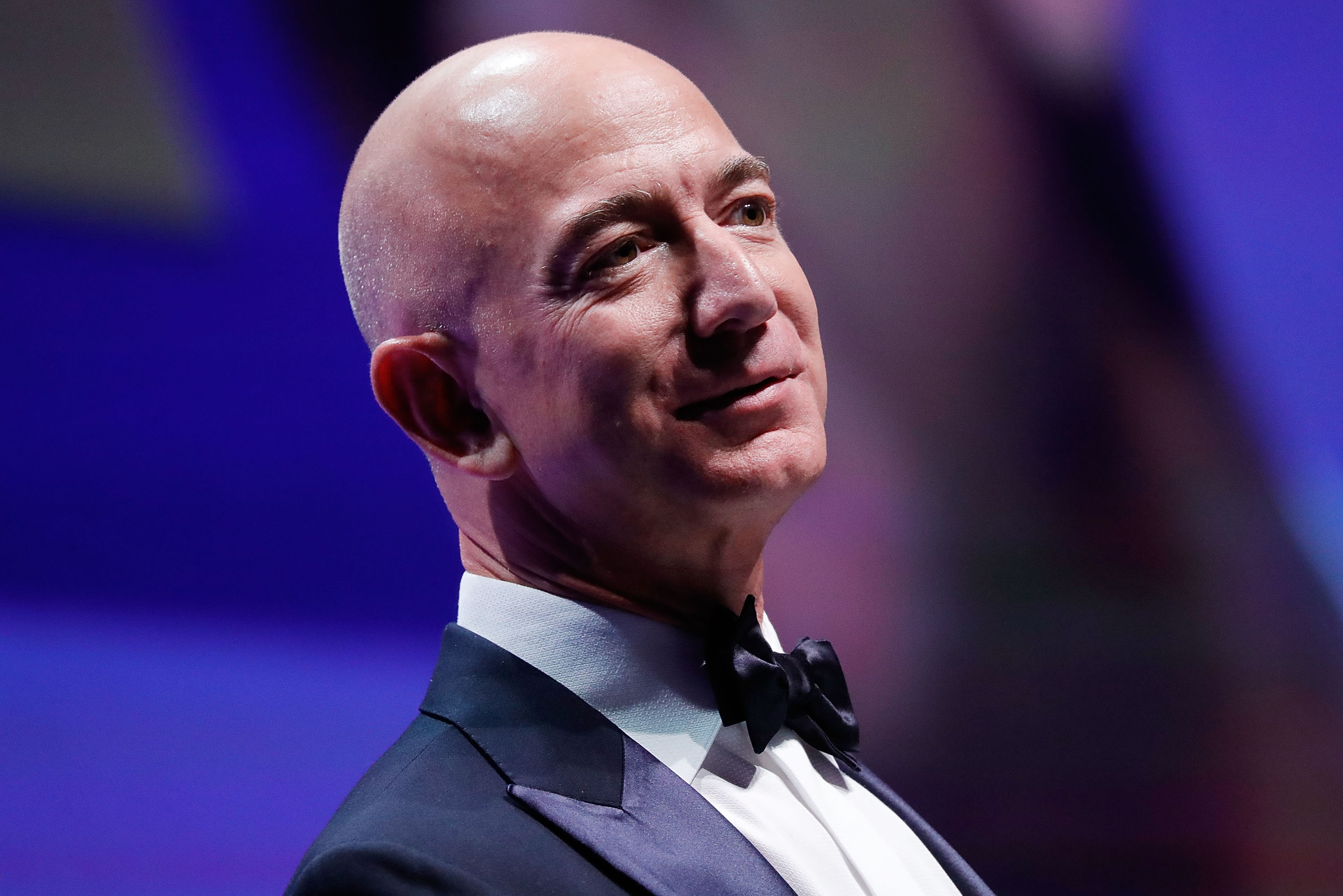 amazon donald trump jeff bezos net worth