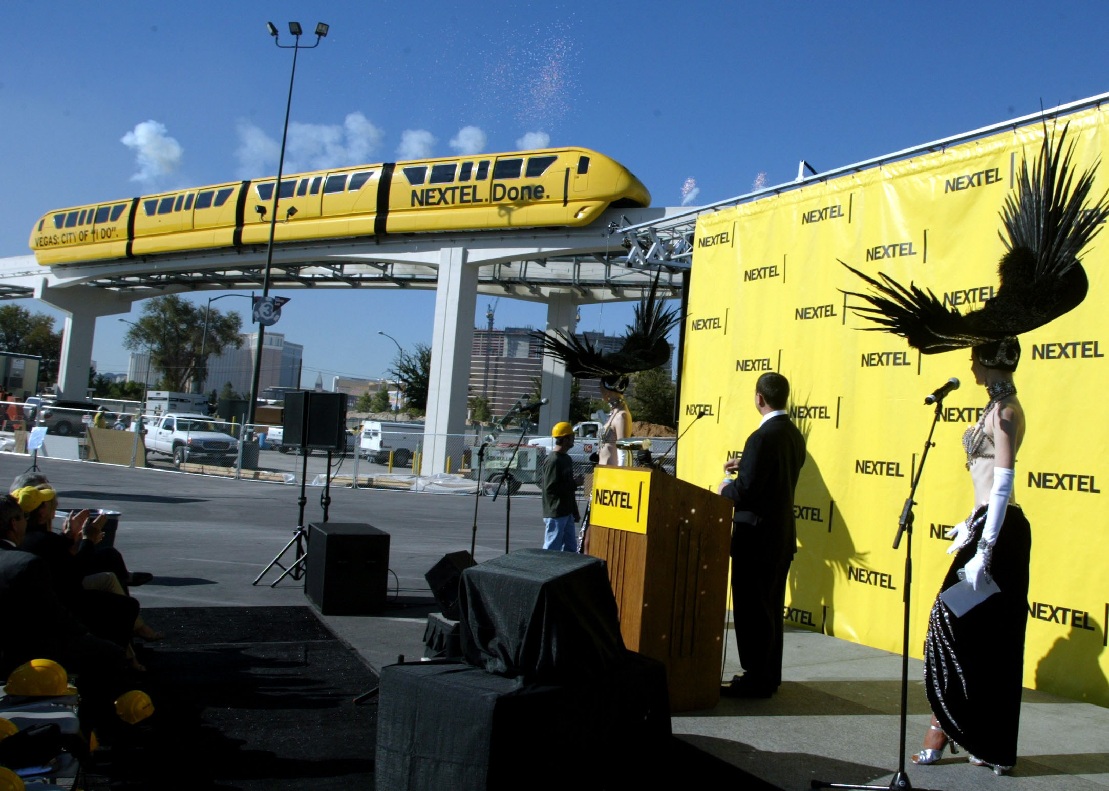 NEXTEL ANNOUNCES MULTI-MILLION DOLLAR DEAL WITH LAS VEGAS MONORAIL.