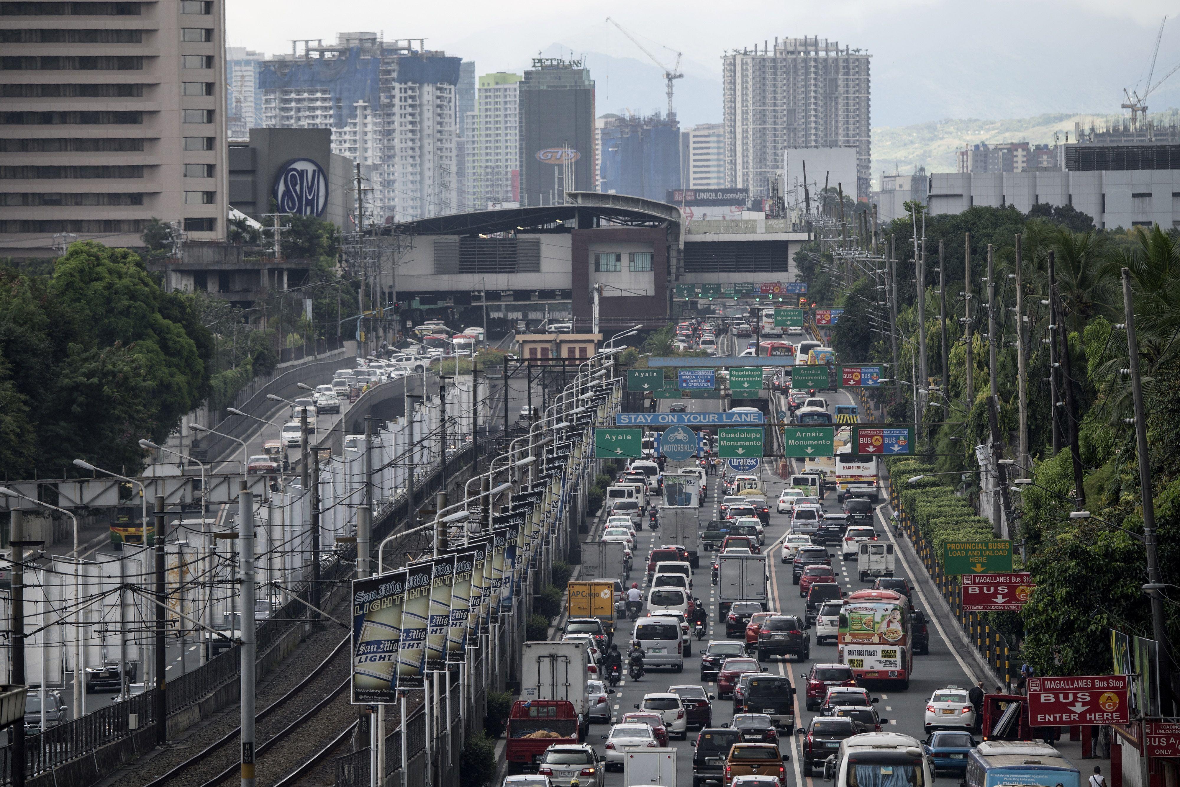 PHILIPPINES-ECONOMY-TAX