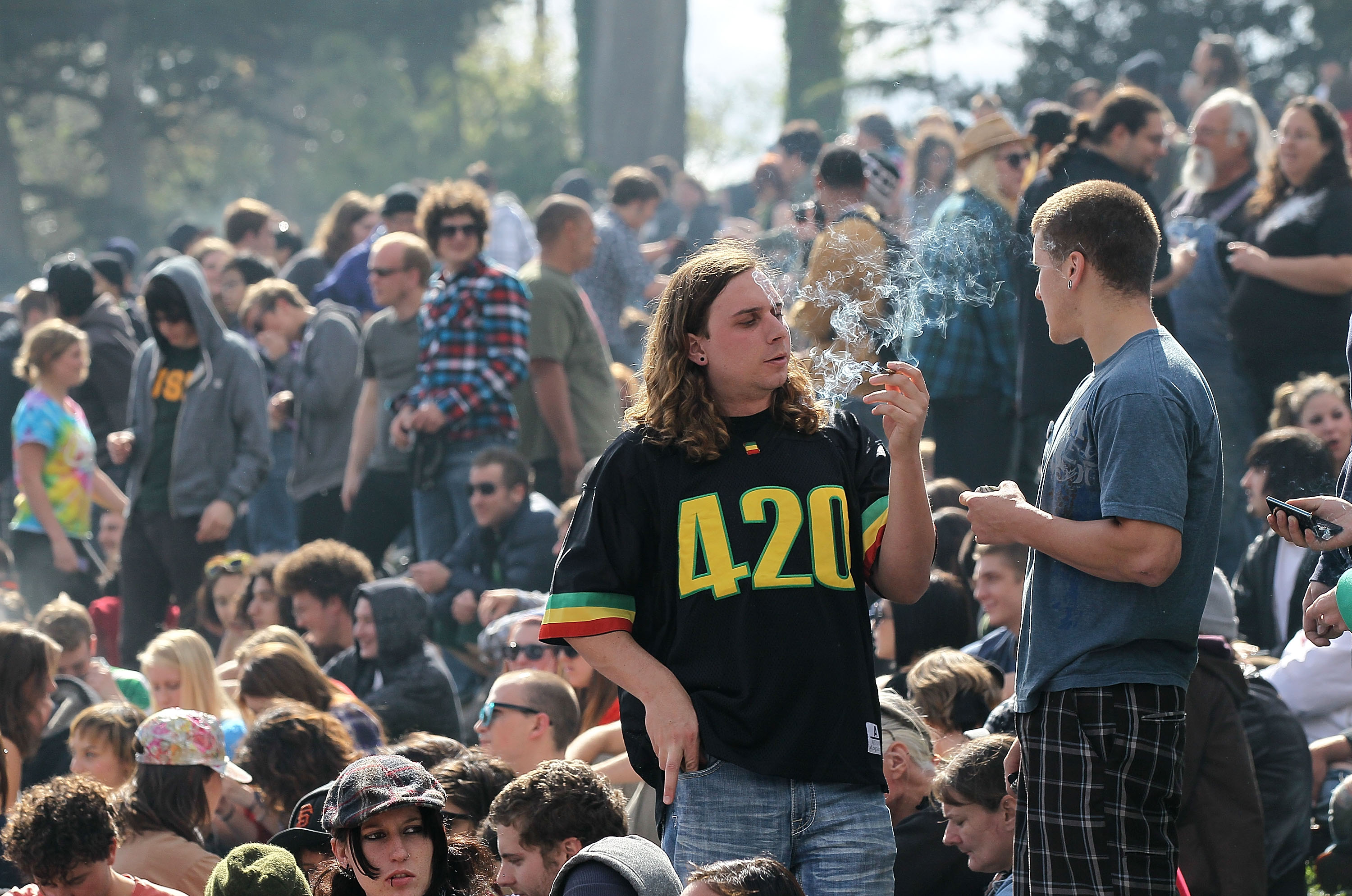 Pot smokers descend on San Francisco's Hippie Hill on 4/20