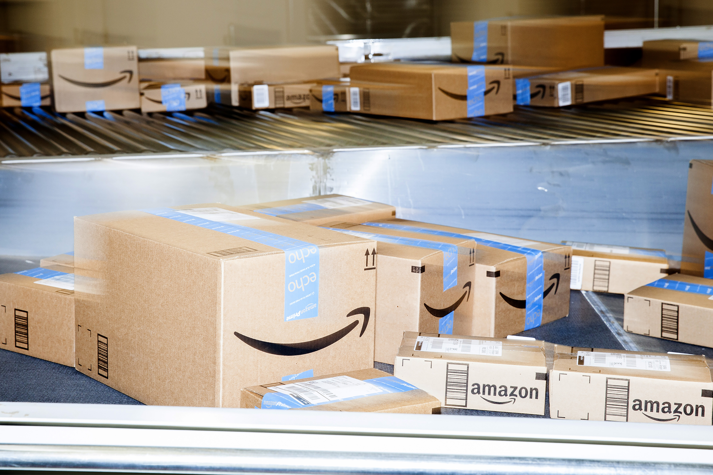 amazon-boxes-delivery