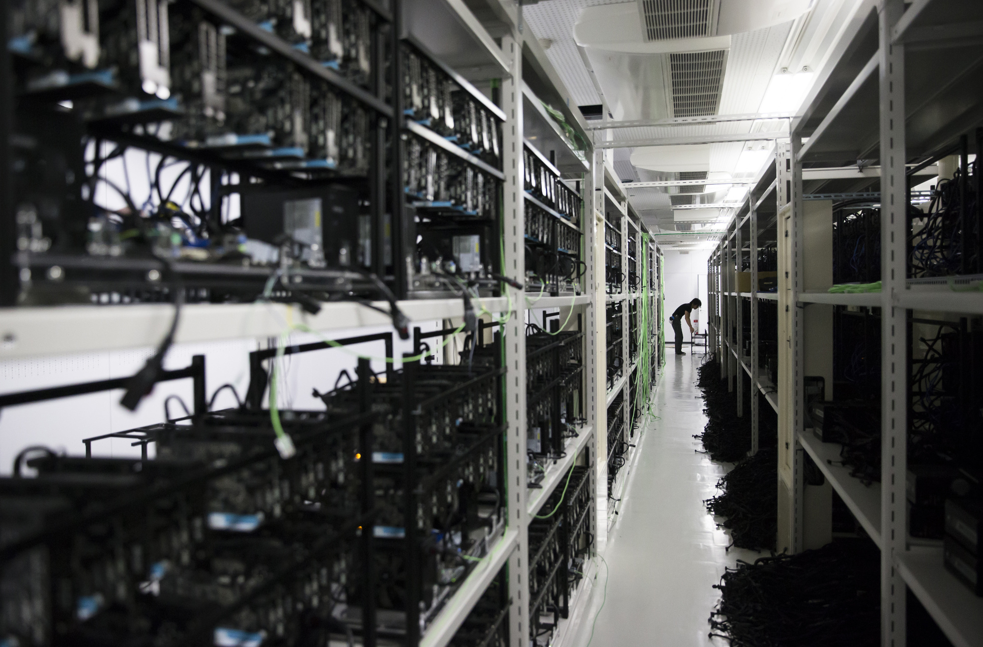 Inside The DMM Mining Farm As Japan Unveils Guidelines For Allowing Initial Coin Offerings