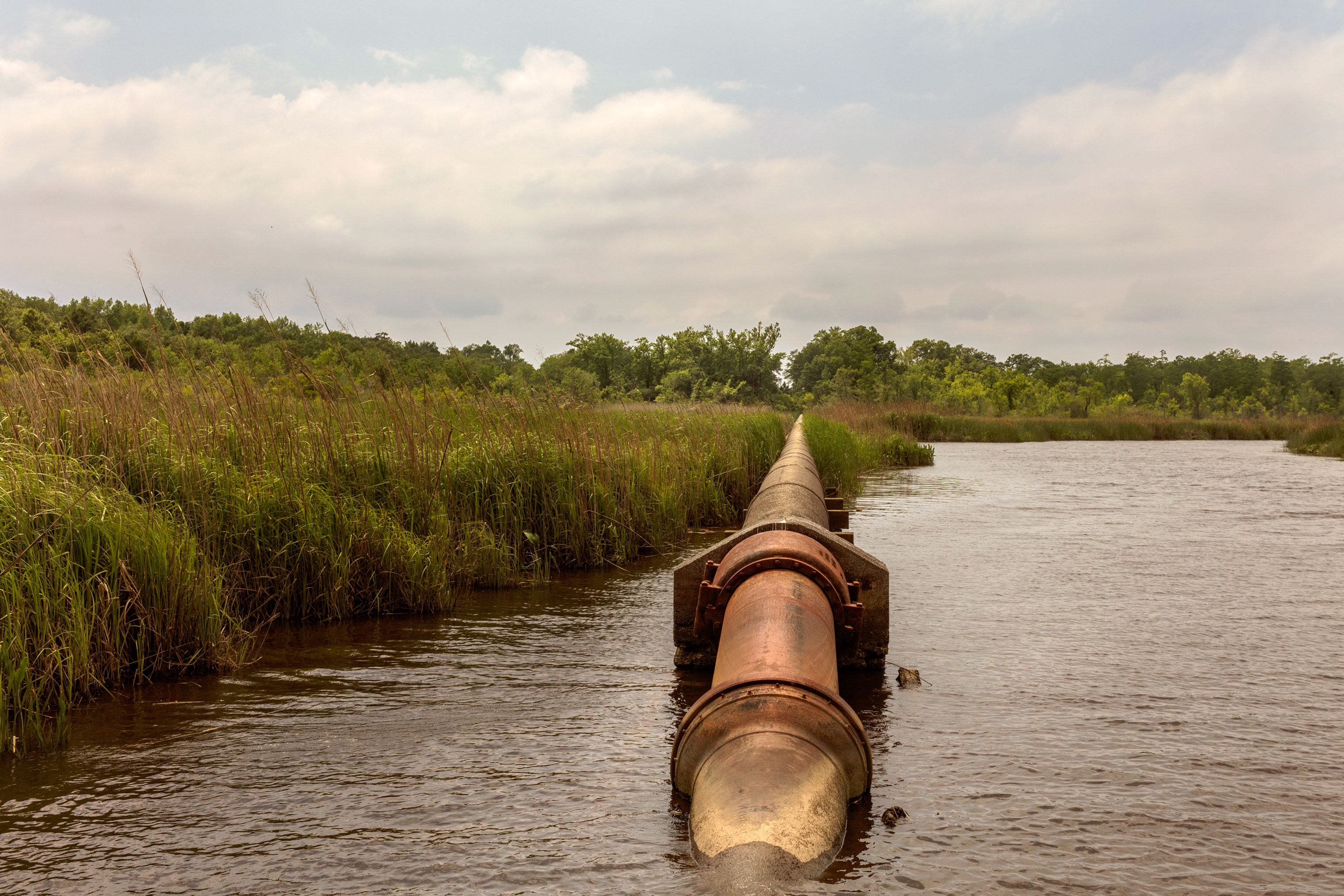 The pipeline that carries water from the Cape Fear River to the watertreatment plant for Wilmington, N.C.