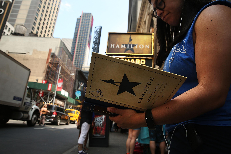 "Award-Winning Musical ""Hamilton"" Draws Throngs To Broadway"