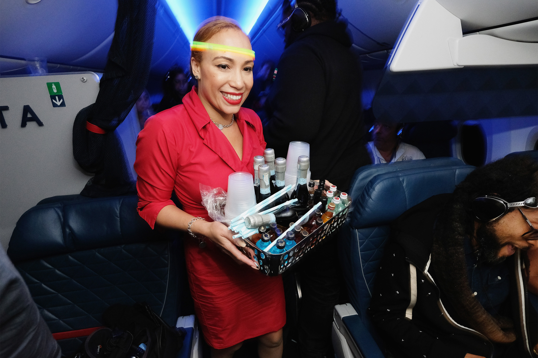 delta-flight-attendant