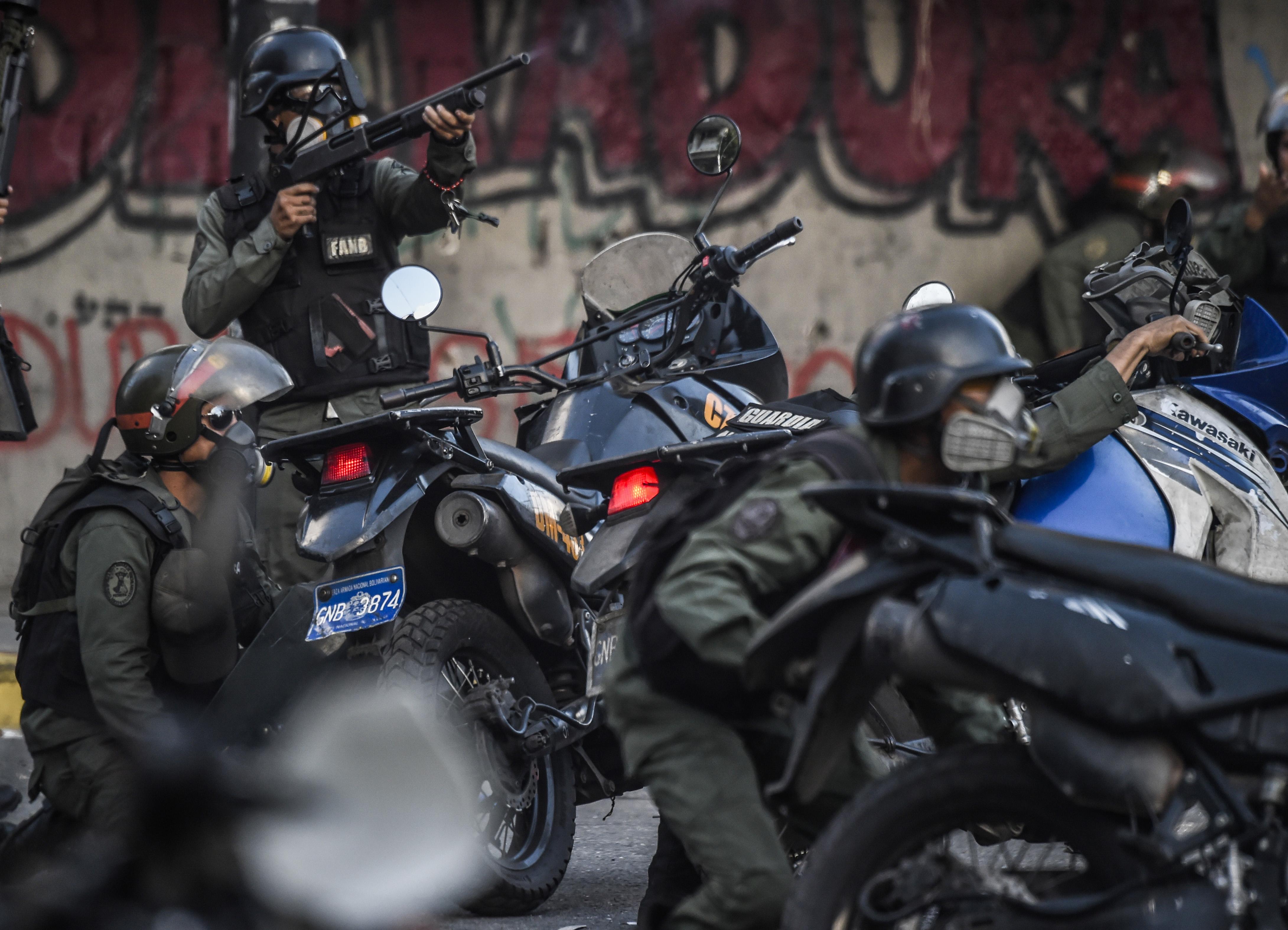 TOPSHOT-VENEZUELA-CRISIS-CONSTITUENT-ASSEMBLY-PROTEST