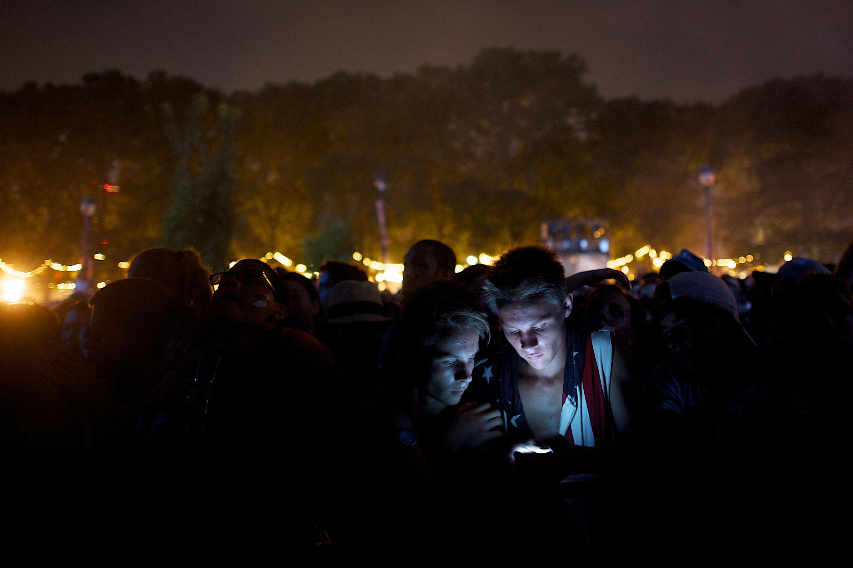 phone-light-night
