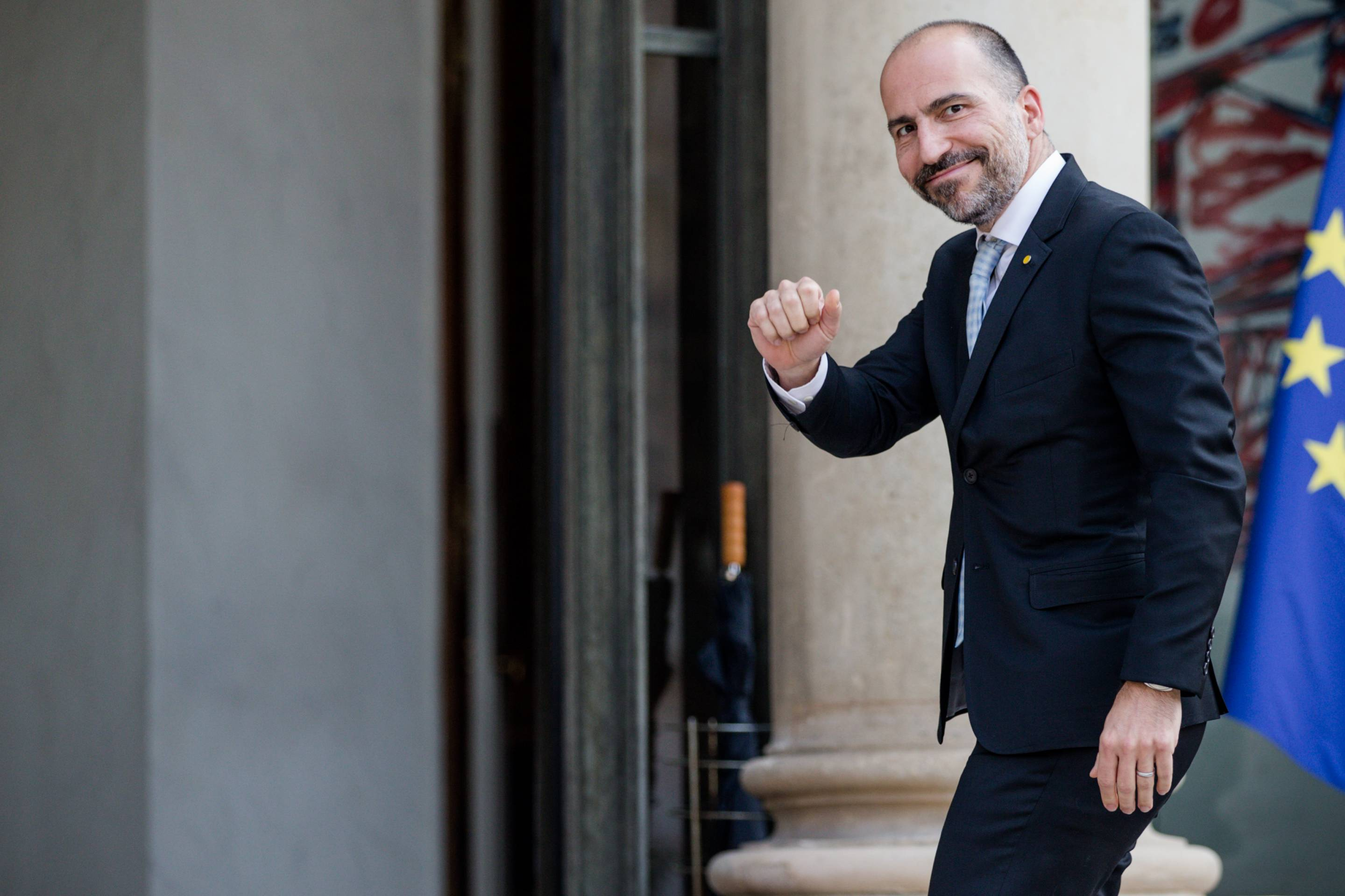 Uber CEO Dara Khosrowshahi arrives at the Elysee Palace for a meeting with the French president on May 23, 2018 in Paris.