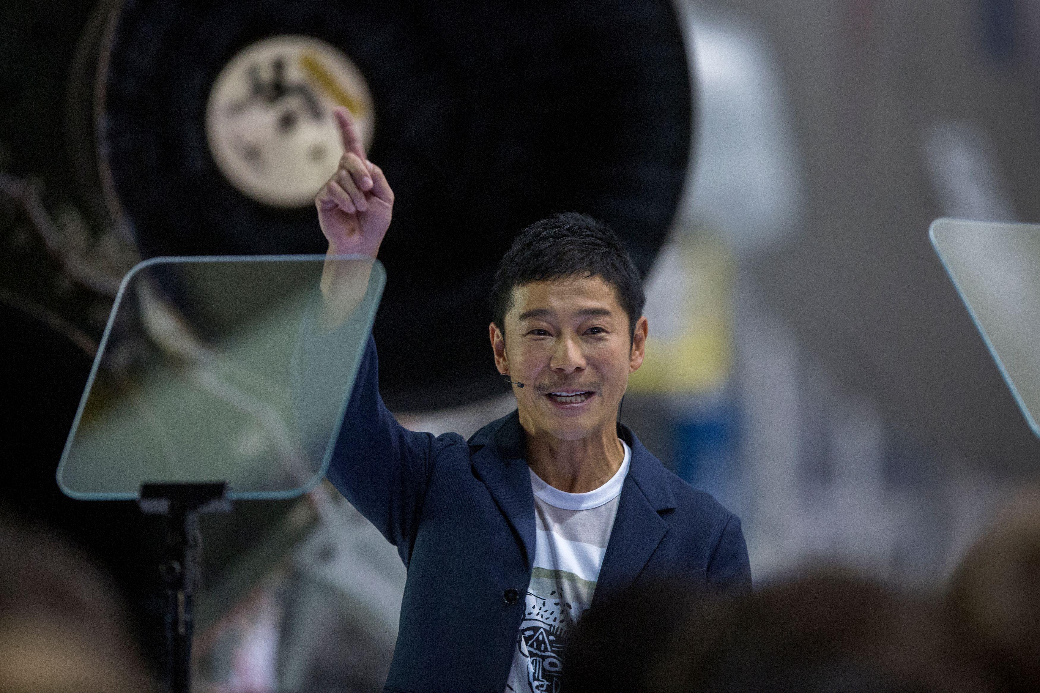 US-SPACE-AEROSPACE-SPACEX-MOON-JAPAN-PEOPLE