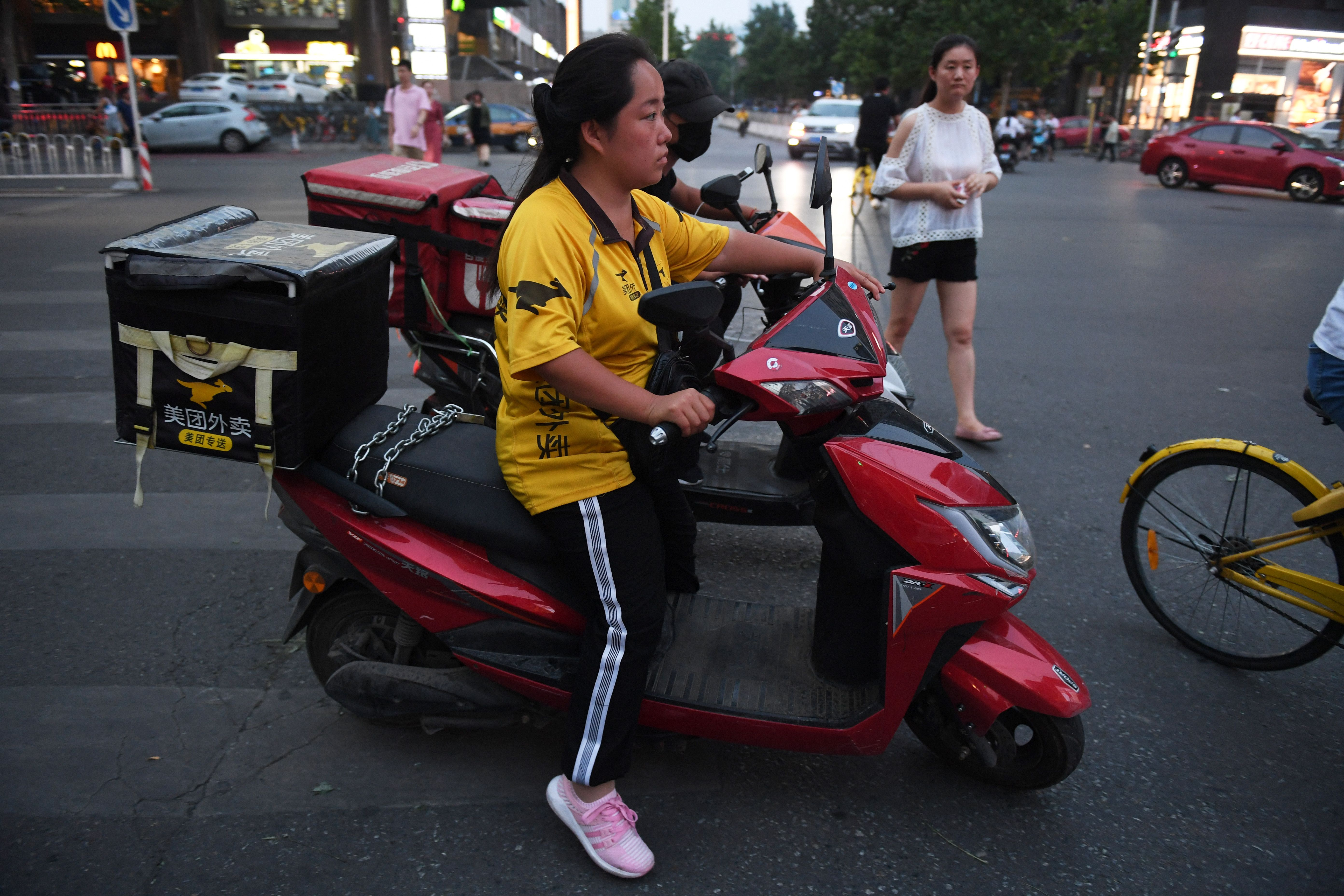 Meituan-Dianping delivery on motorbike