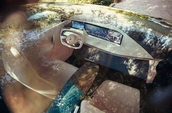 BMW's Vision iNext Concept Forgoes Screens for 'Smart Fabric