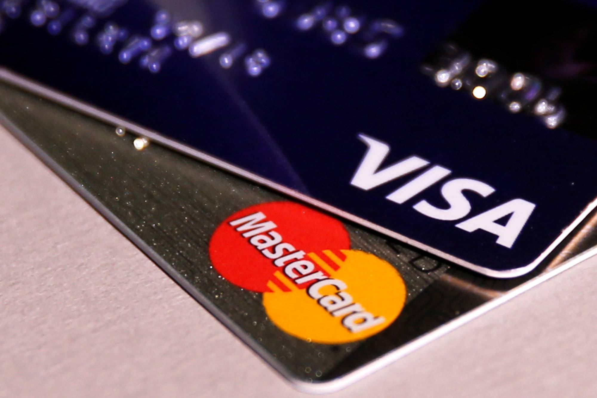 Credit Card Chips Have Failed to Halt Fraud, Survey Shows | Fortune