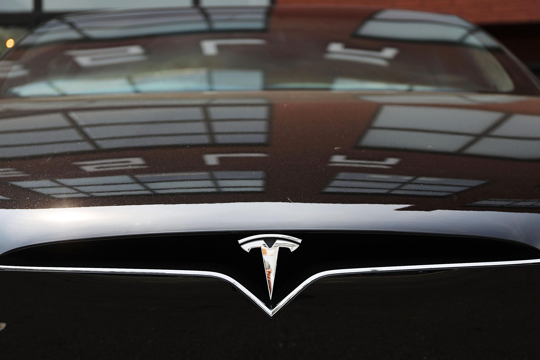 Tesla Shares Slide After Auto Maker Elon Musk Smokes