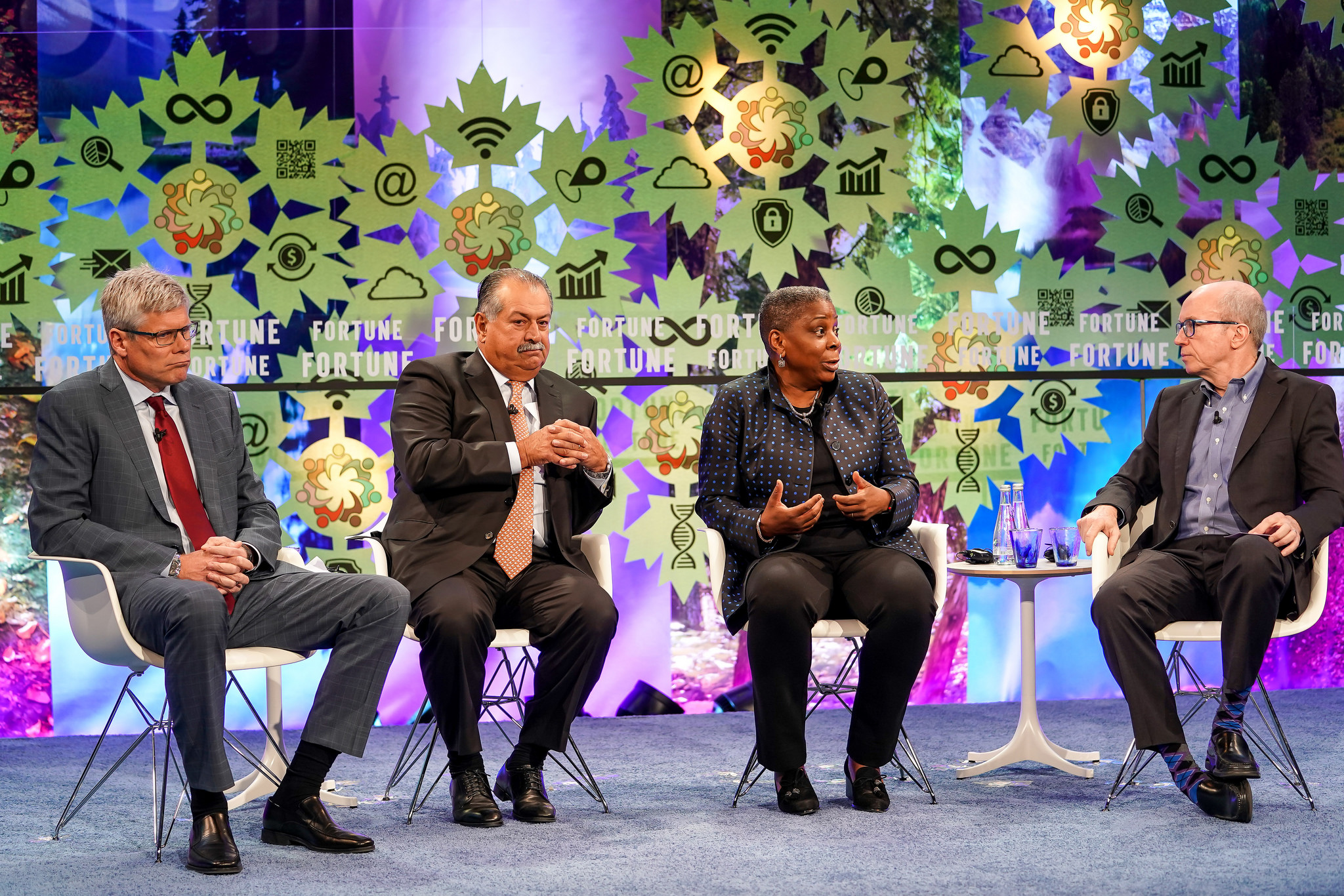 Ursula Burns, Chairwoman, VEON; Director, Uber and Diageo; Former Chairman and CEO, Xerox Corporation; Andrew Liveris, Former Chairman and CEO, Dow Chemical; Steve Mollenkopf, Chief Executive Officer, Qualcomm; Moderator: Alan Murray, Fortune. Fortune Global Forum 2018. Toronto, Canada. October 16th, 2018.