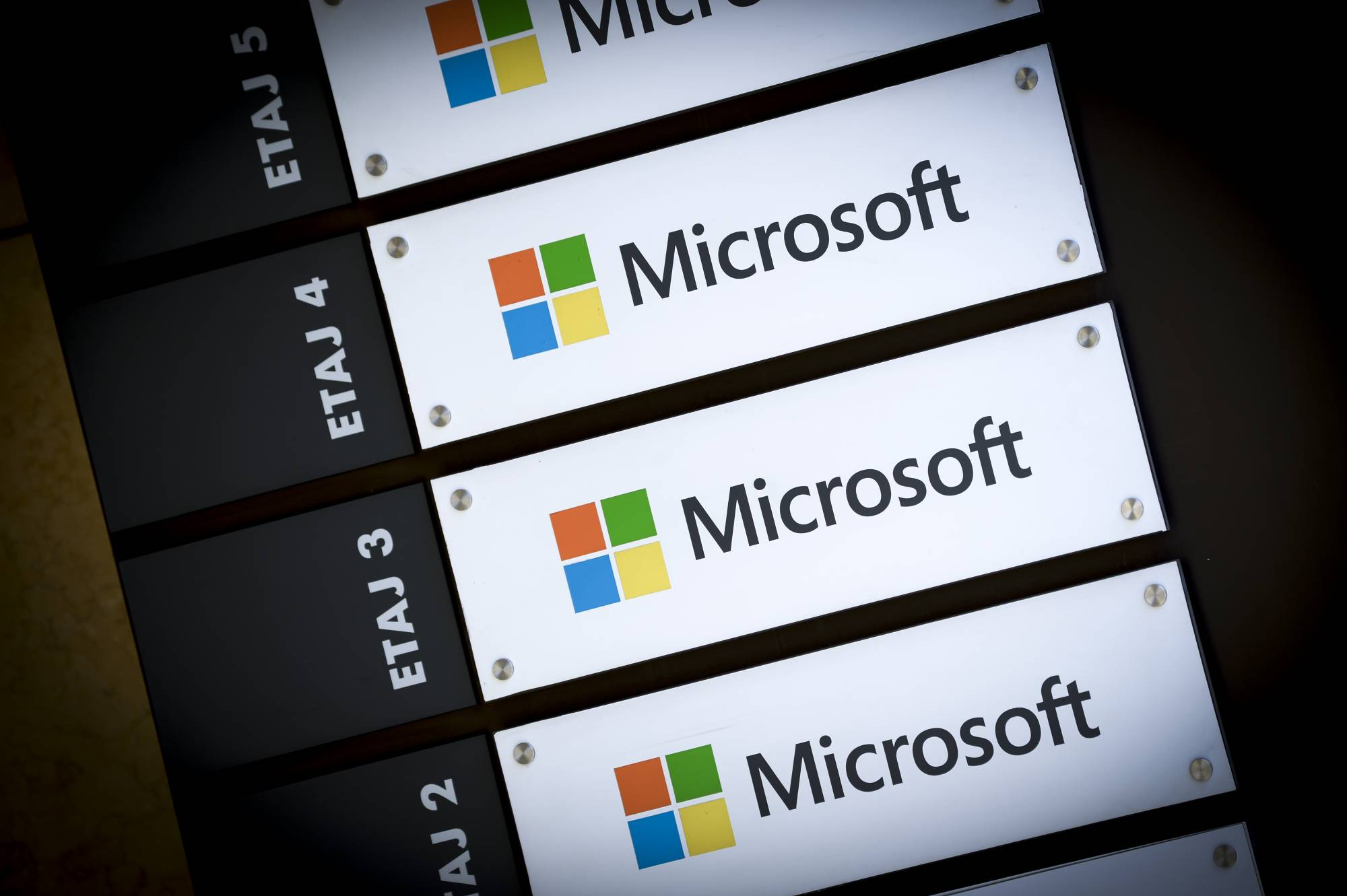 Microsoft will contribute over 60,000 patents to the Open Invention Network.
