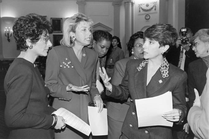 Marjorie Margolies Mezvinsky, Anna Eshoo, Lynn Schenk, Cynthia McKinney and Eva Clayton talking with each other