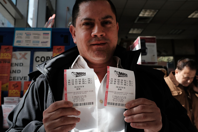 Record Mega Millions Jackpot Nears $1 Billion