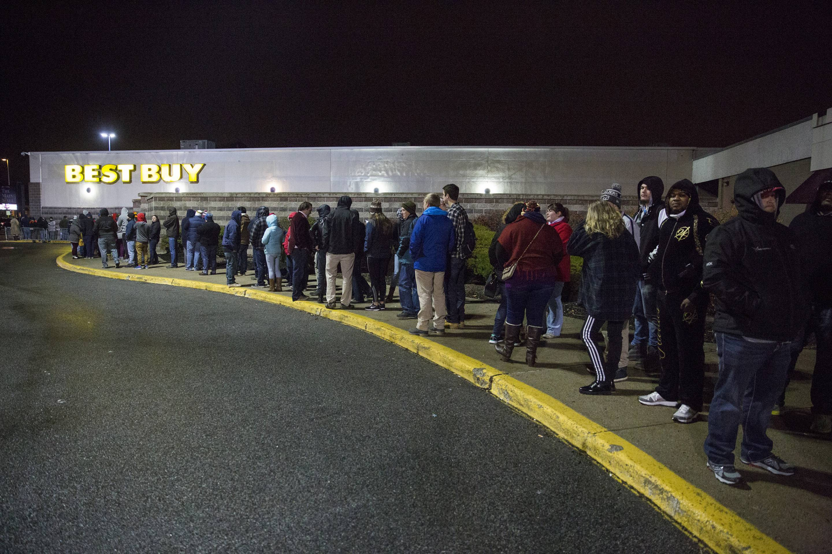 Thanksgiving and Black Friday Shoppers