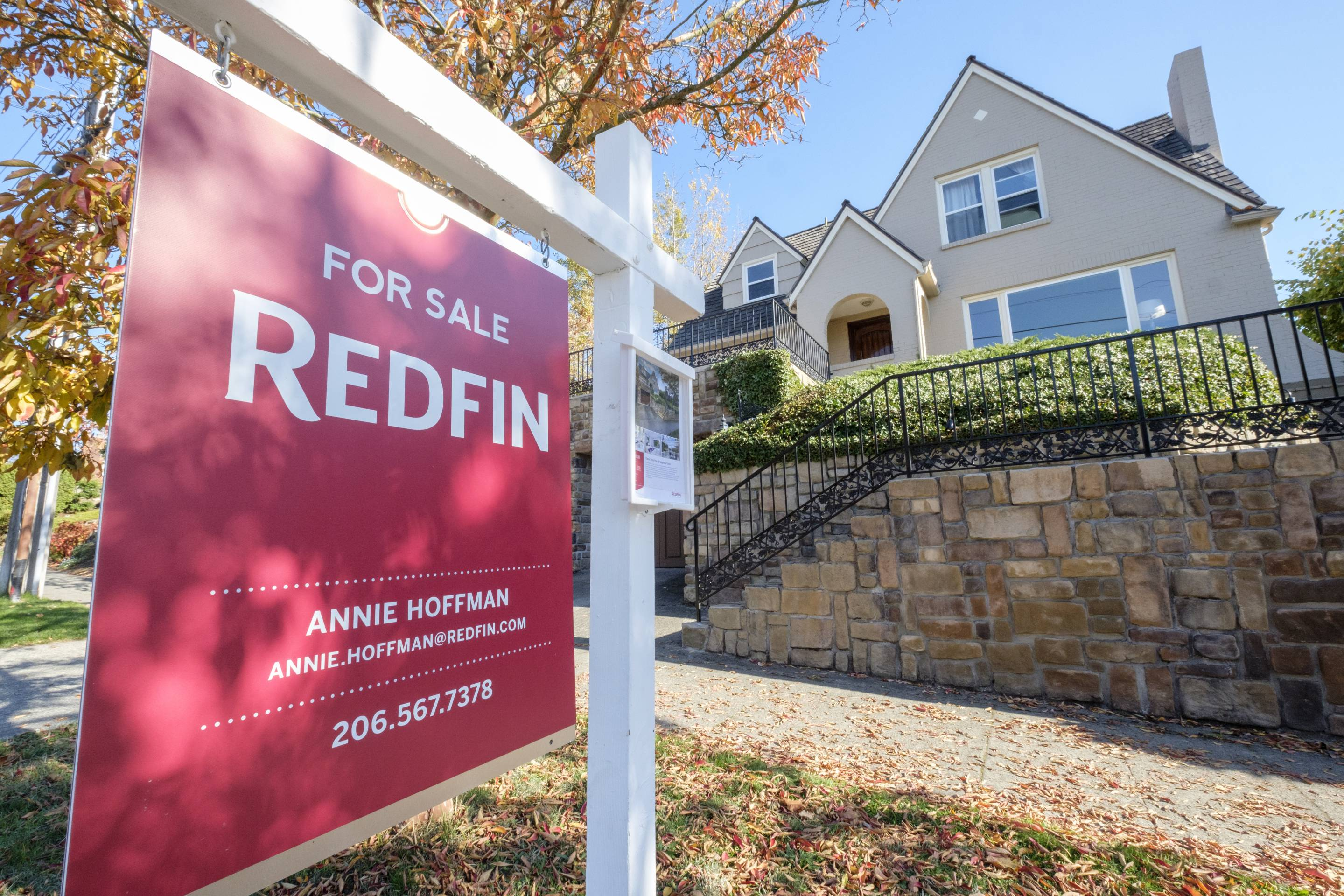 Redfin Real Estate Yard Sign Pictures in Seattle