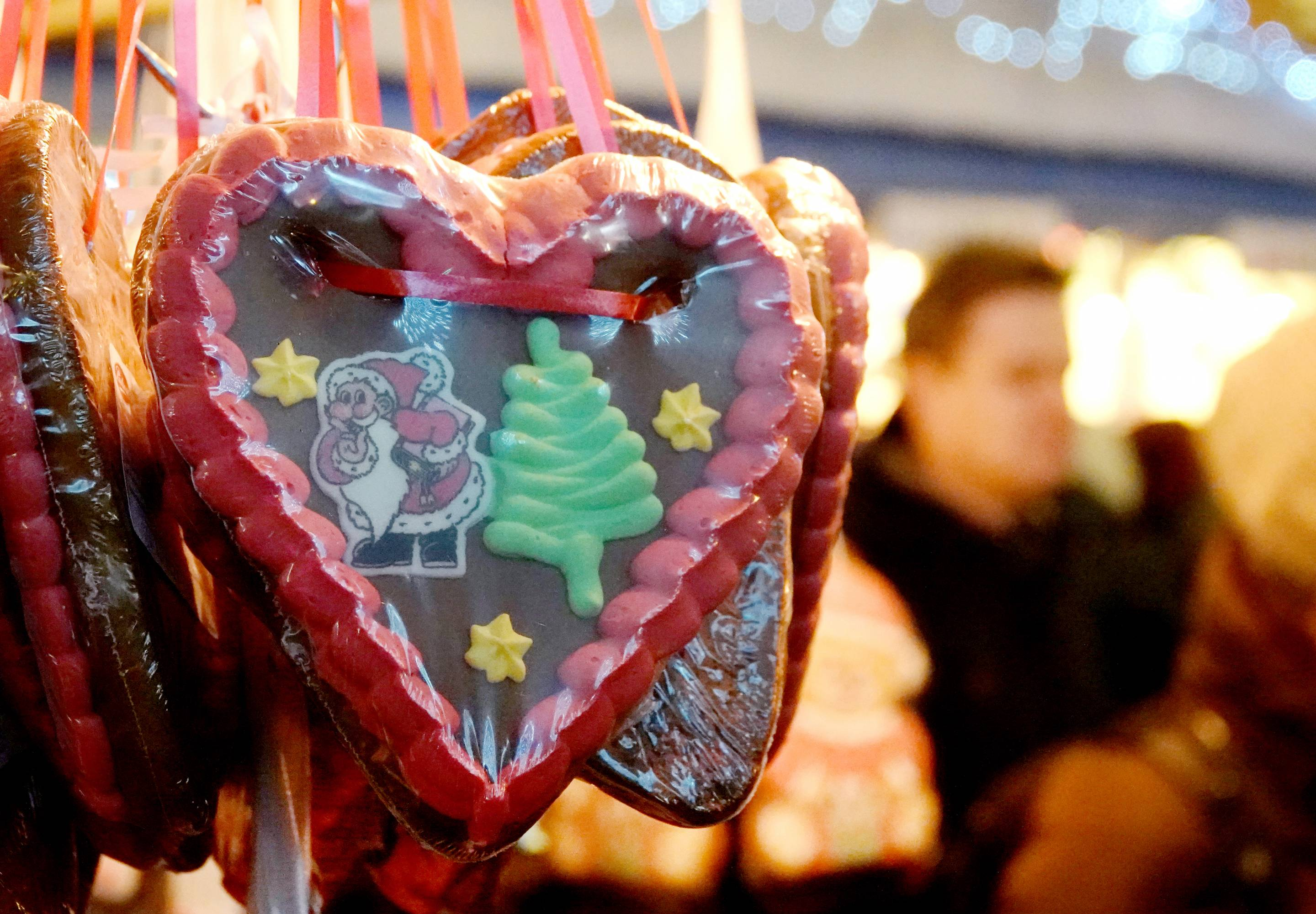 Gingerbread heart at Christmas