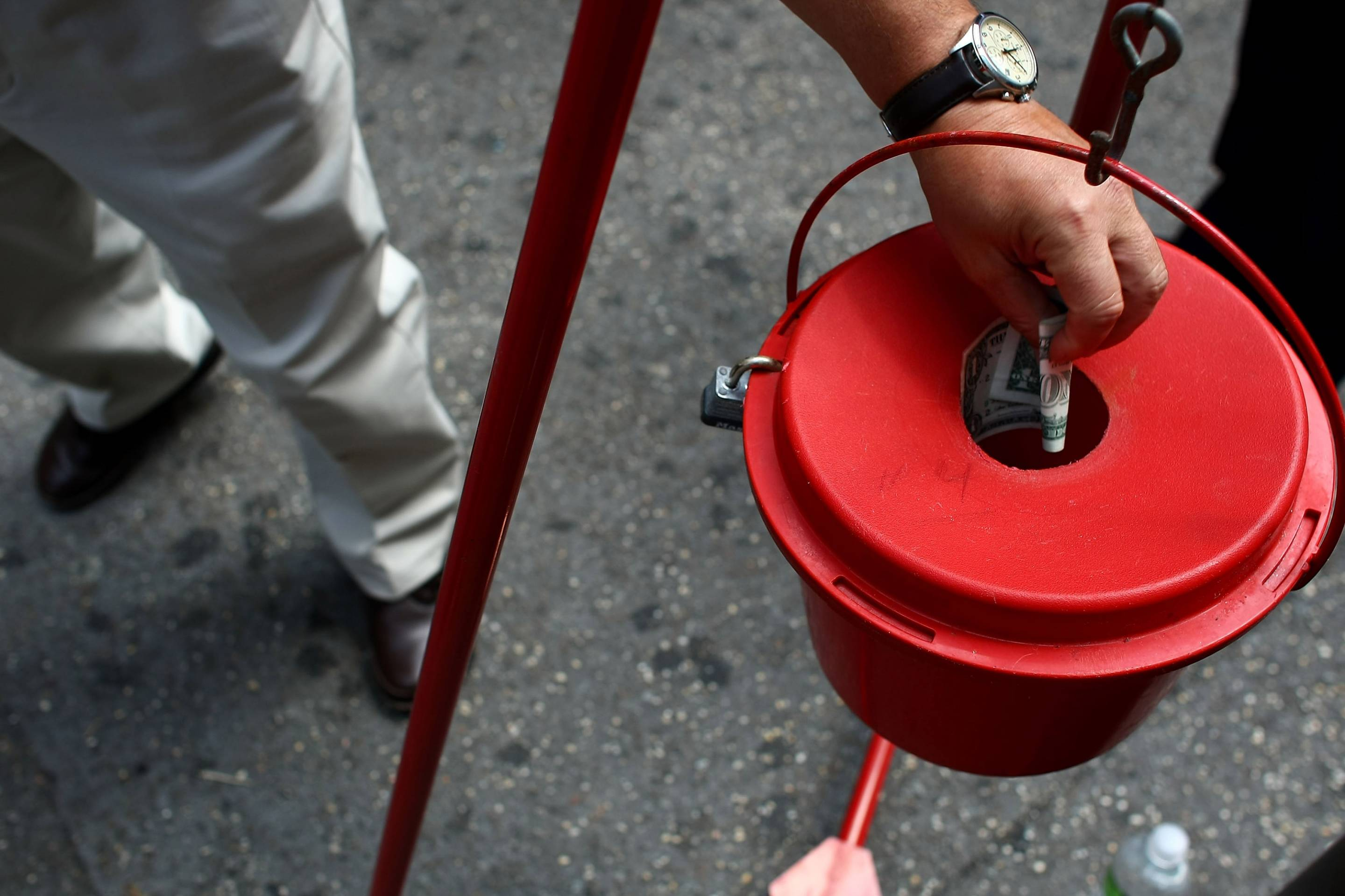 Recession Forces Salvation Army Bell-Ringers To Return To Streets In Summer