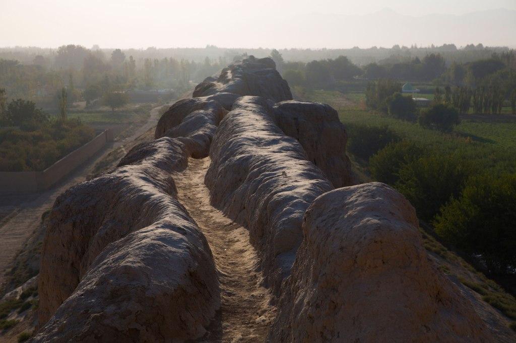Nickelsberg-Afghanistan's-Heritage-Ancient-Wall