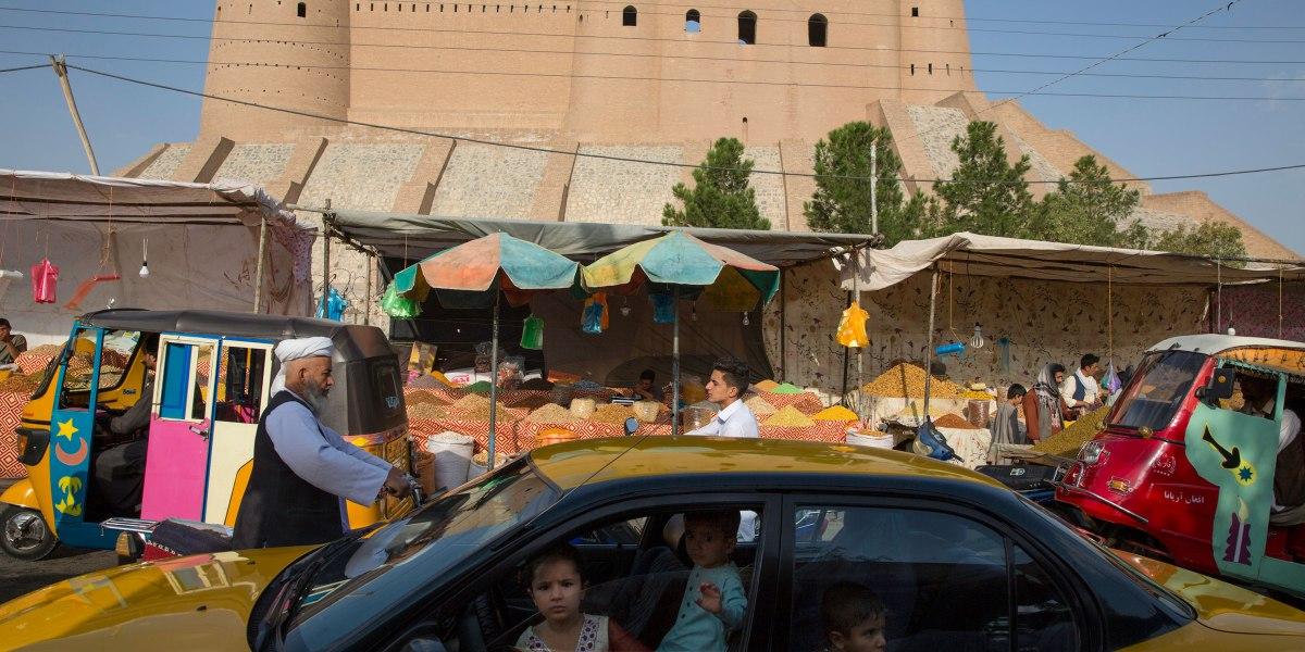 Photojournalist Robert Nickelsberg Captures 'Afghanistan's Heritage'