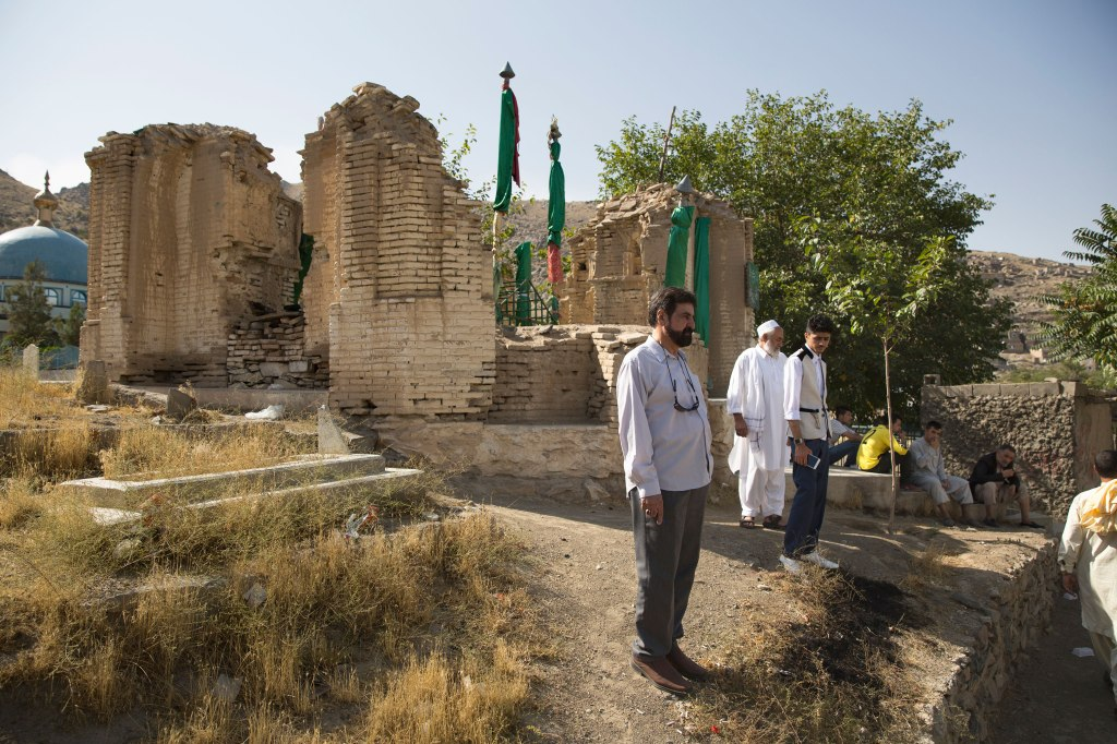 Nickelsberg-Afghanistan's-Heritage-Mausoleum