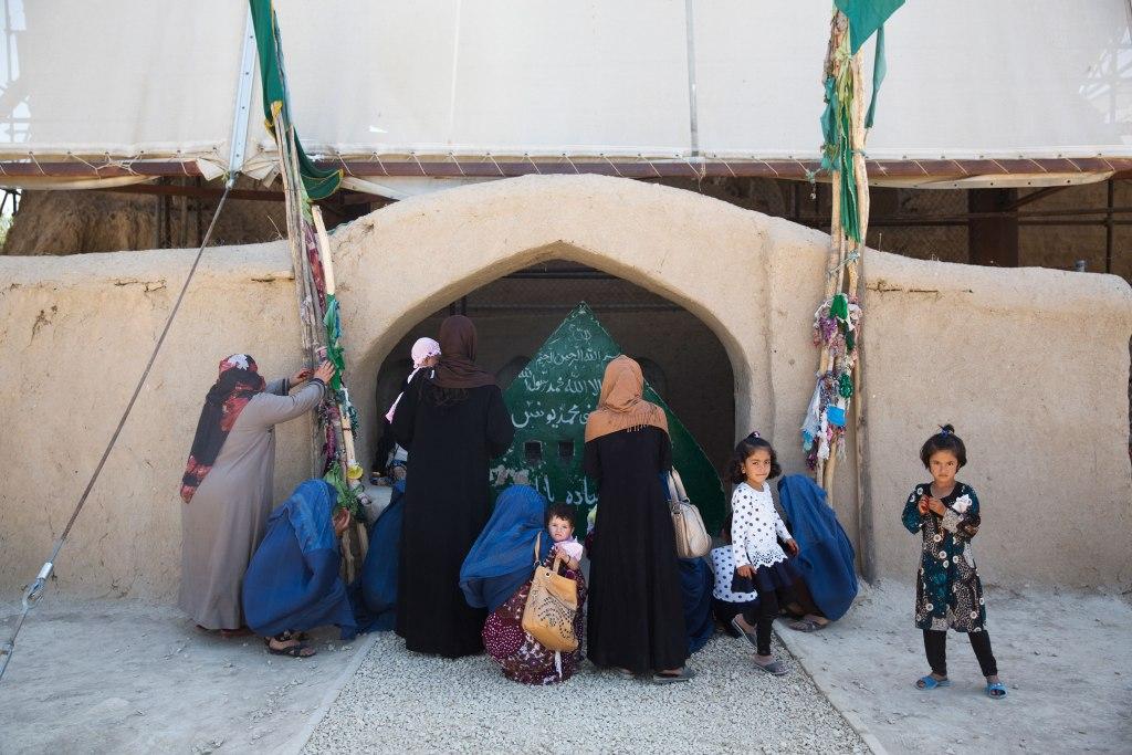 Nickelsberg-Afghanistan's-Heritage-Non-Gunmad-shrine