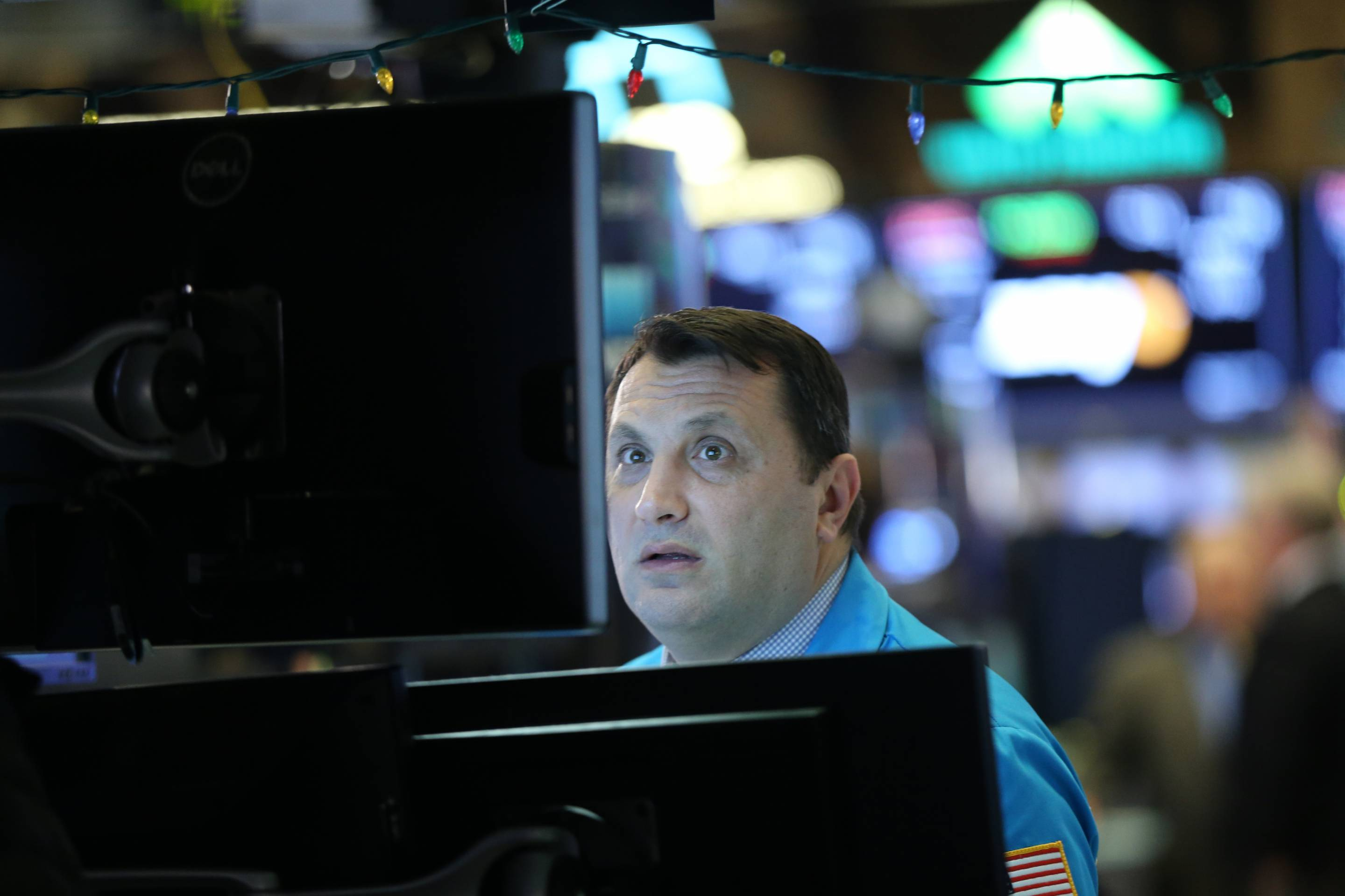 Stocks Dive Nearly 800 Points On U.S. China Trade Fears