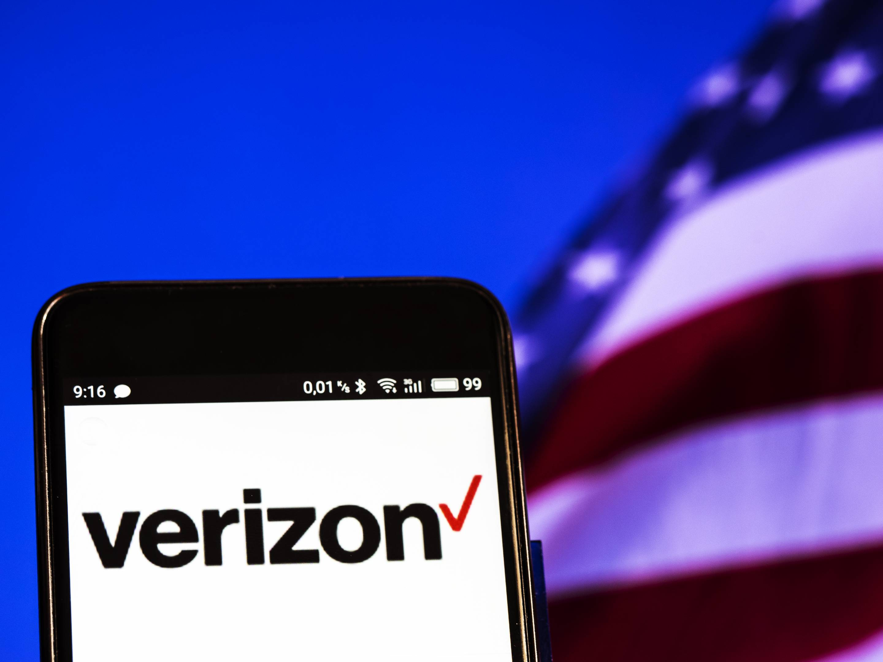 Verizon logo seen displayed on a smart phone