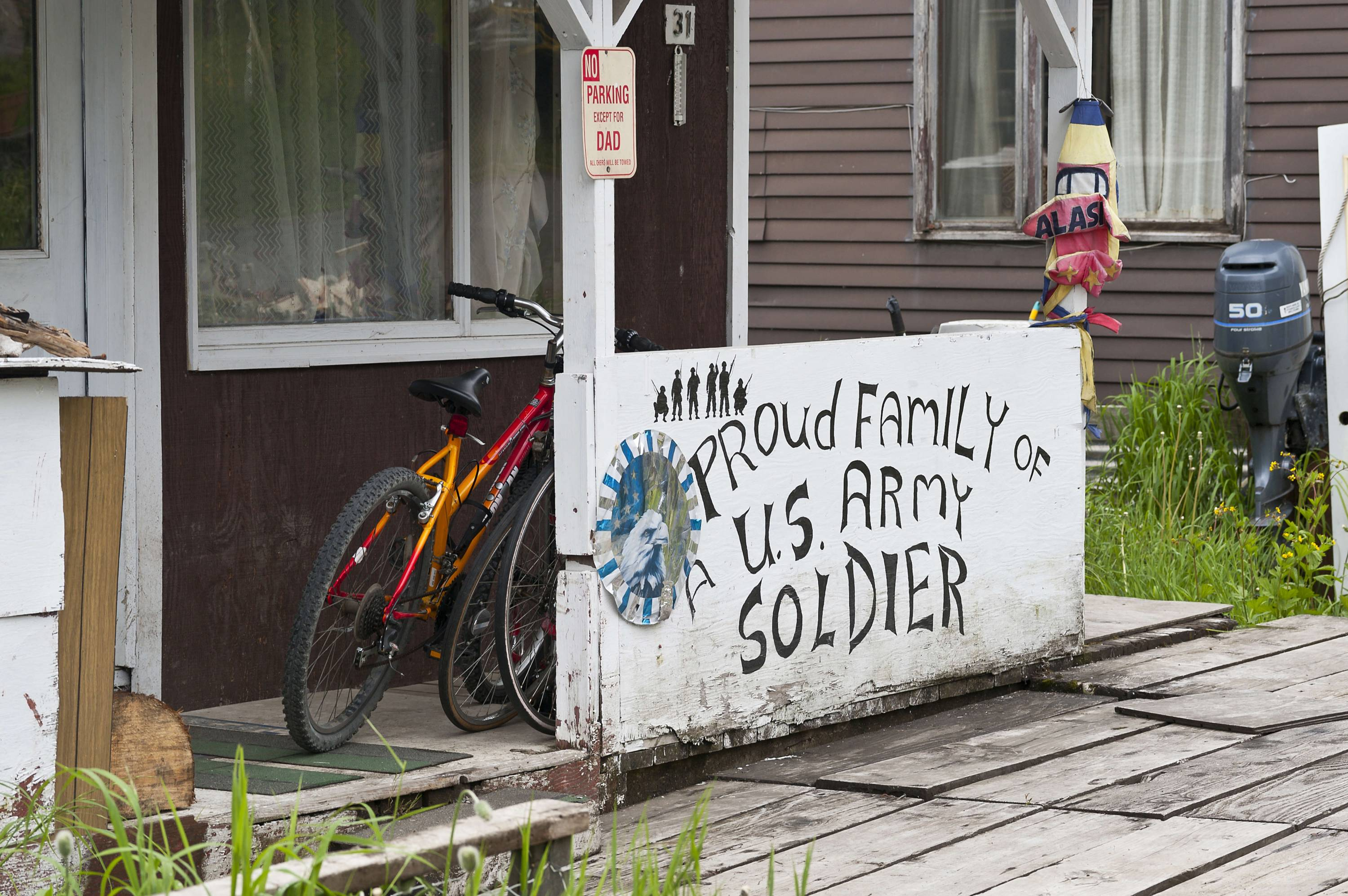 Proud residence of US army soldier's family