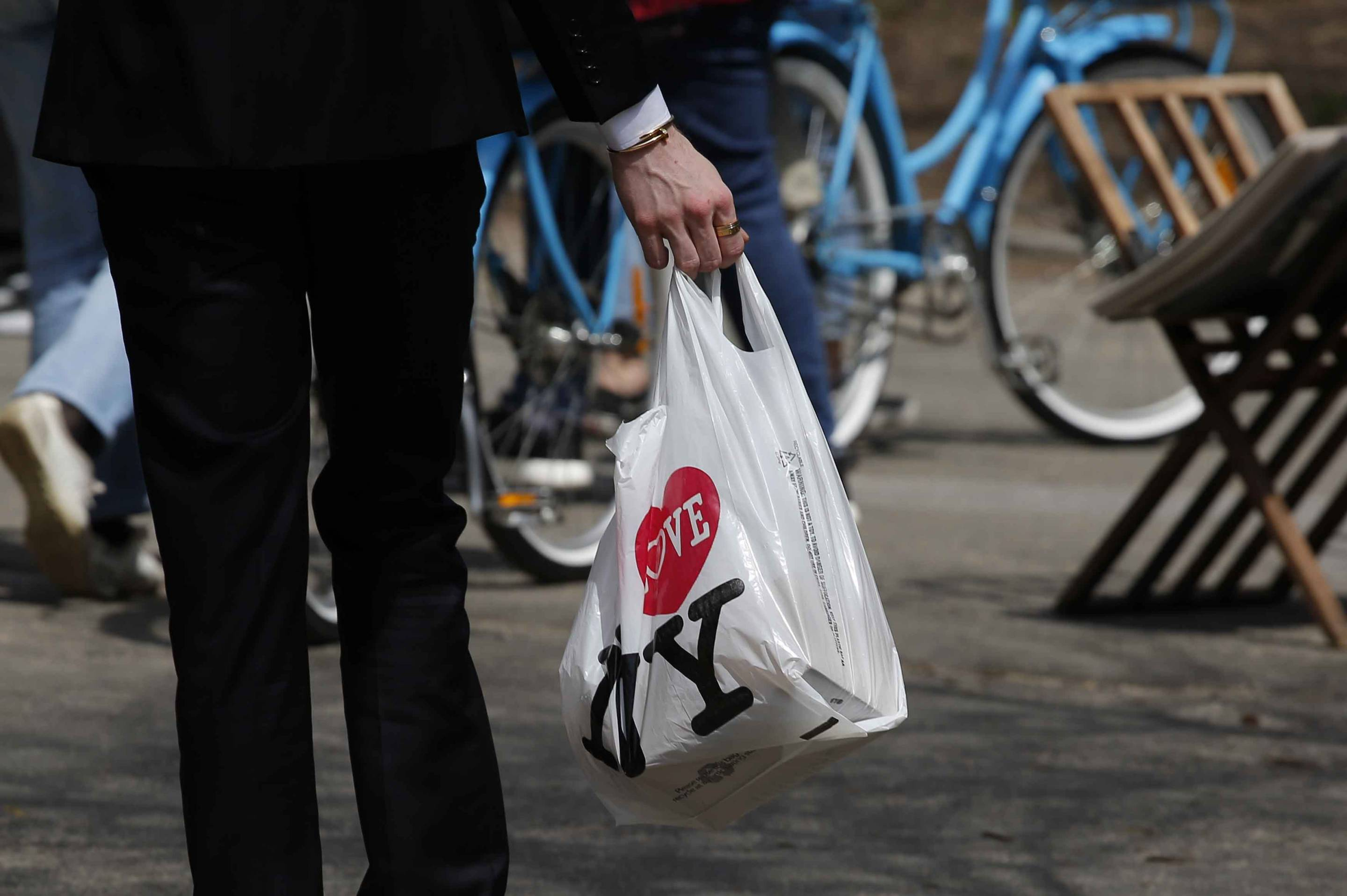 New York Governor Proposes Statewide Ban on Plastic Bags
