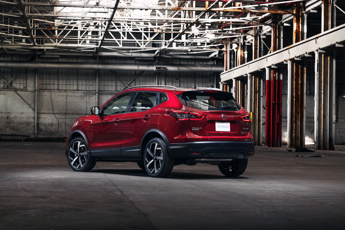 2020 Nissan Qashqai Hybrid Debuts Next Year >> Automakers Debut Suv Facelifts At The Chicago Auto Show