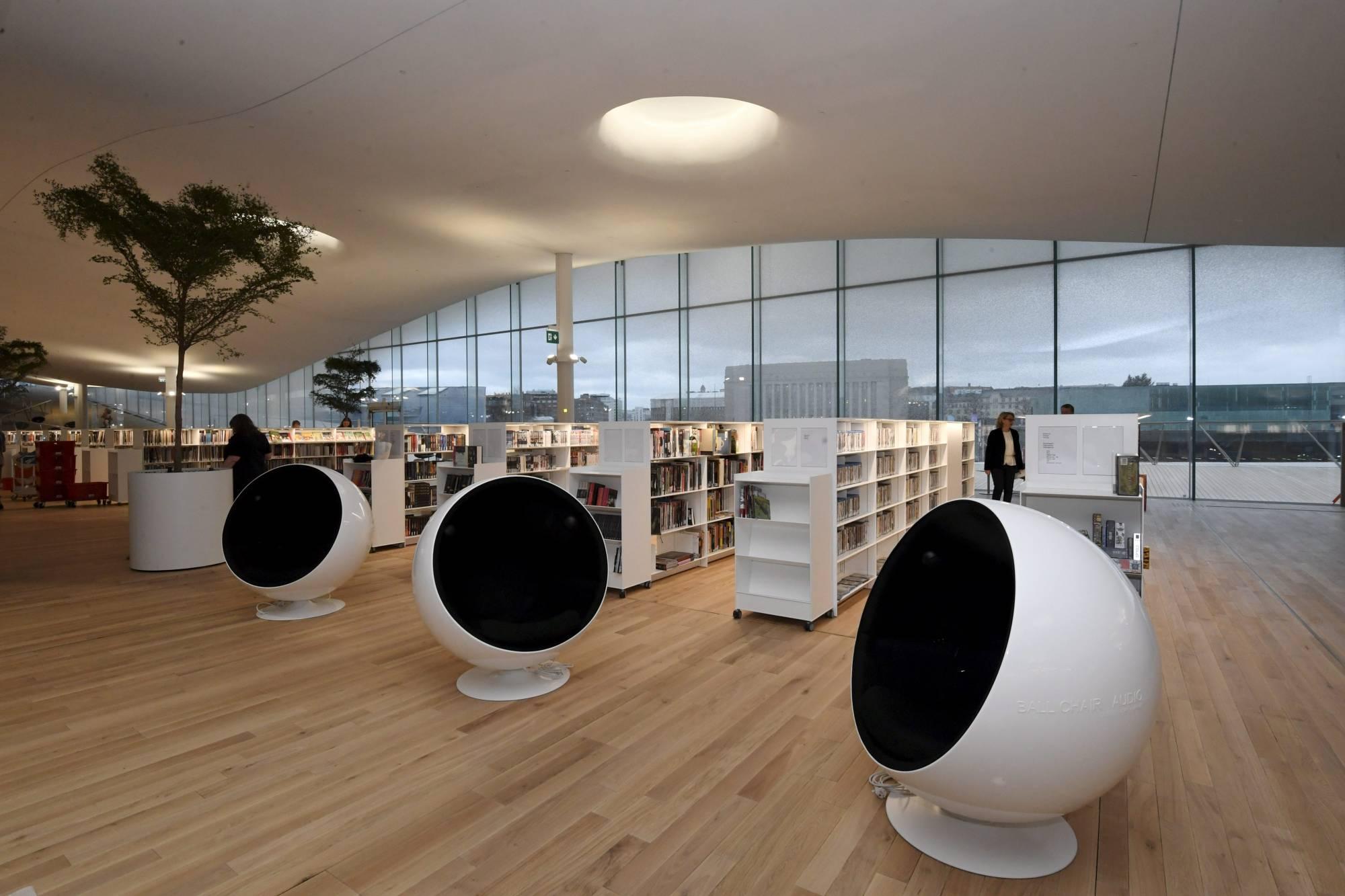 DOUNIAMAG-FINLAND-ARCHITECTURE-MUSEUM-LIBRARY-ROBOTS