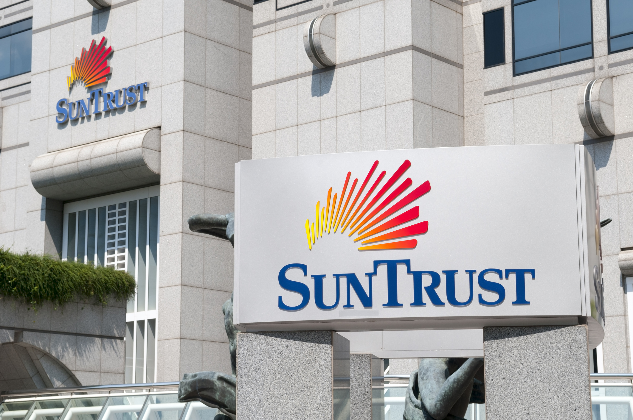 BB&T, SunTrust to Merge and Become Sixth Largest U S  Bank | Fortune