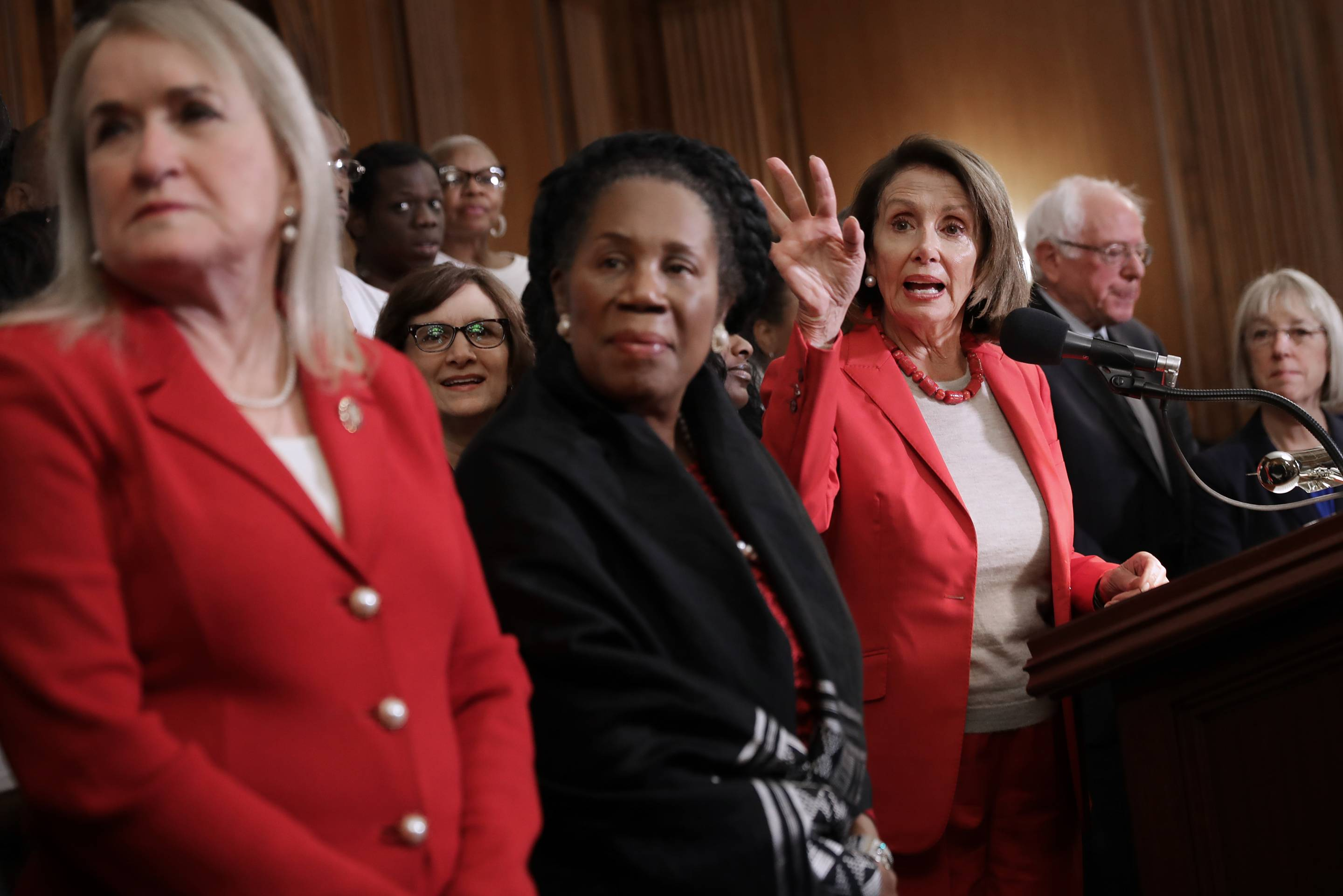 Congressional Democrats Unveil Act To Raise Minimum Wage To $15