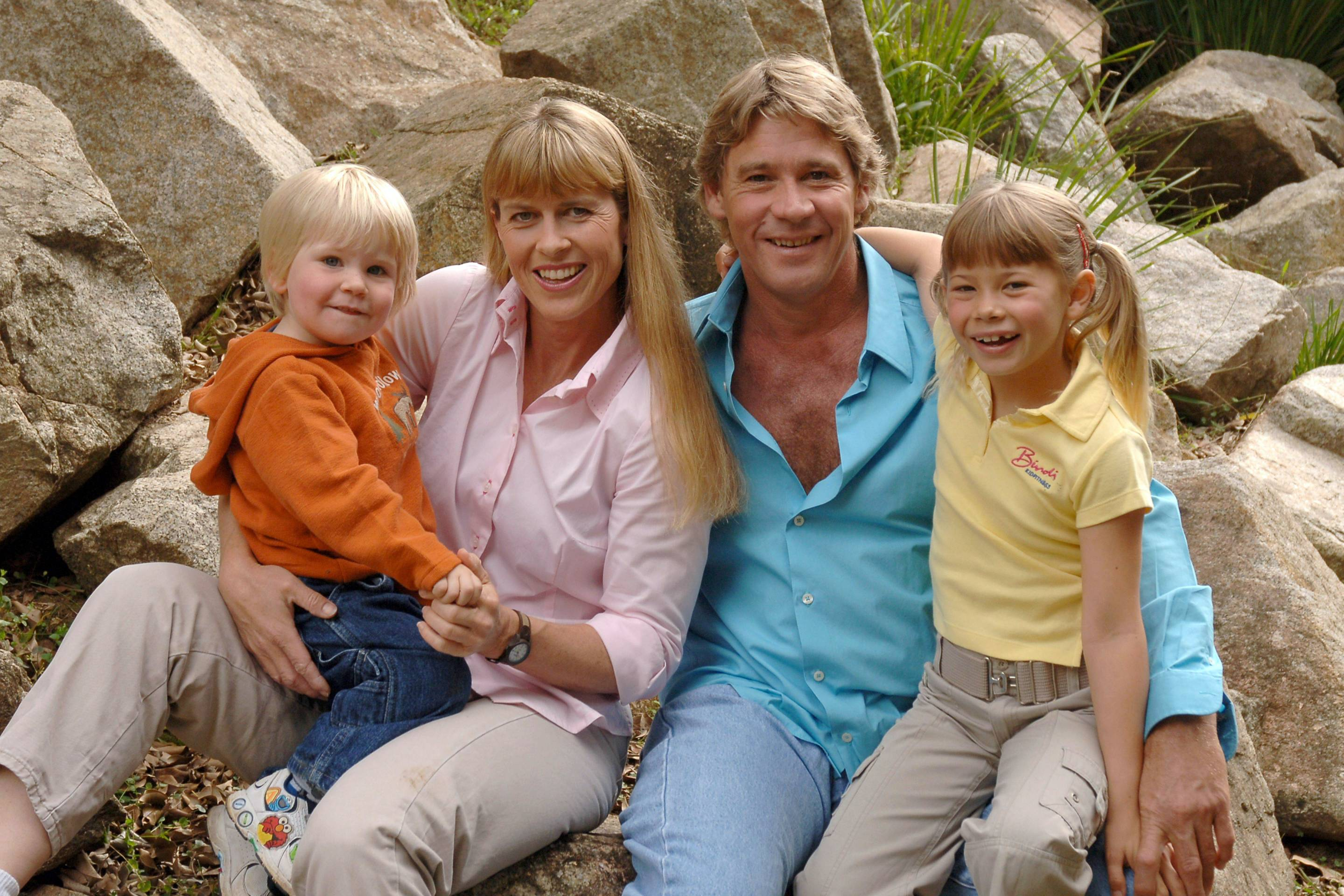 Steve Irwin with wife and kids