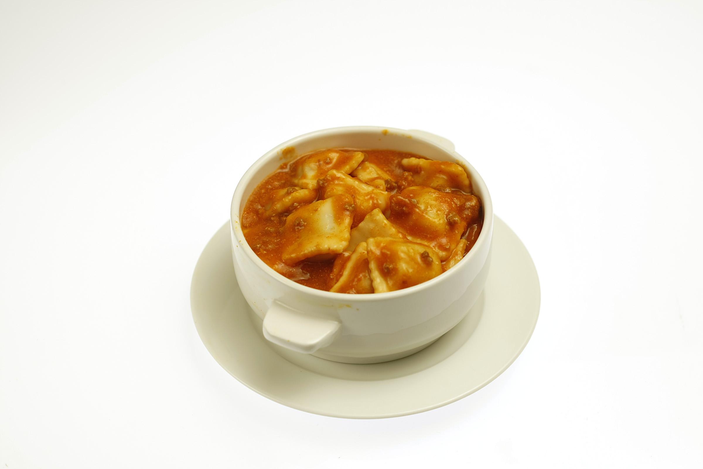 Chef Boyardee Mini Ravioli, Beef Ravioli in Tomato and Meat Sauce.