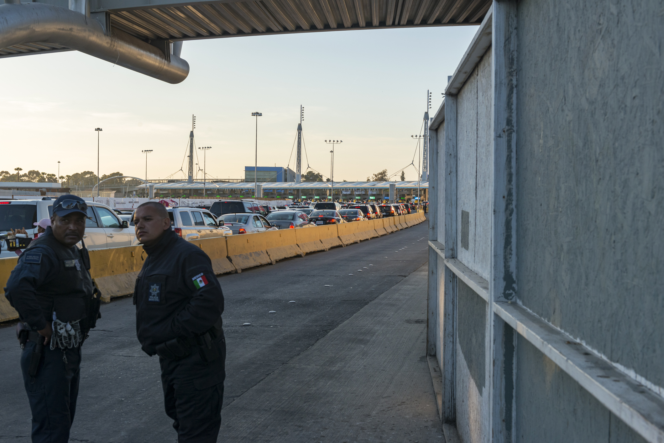 Mexican police at Tijuana border crossing to USA
