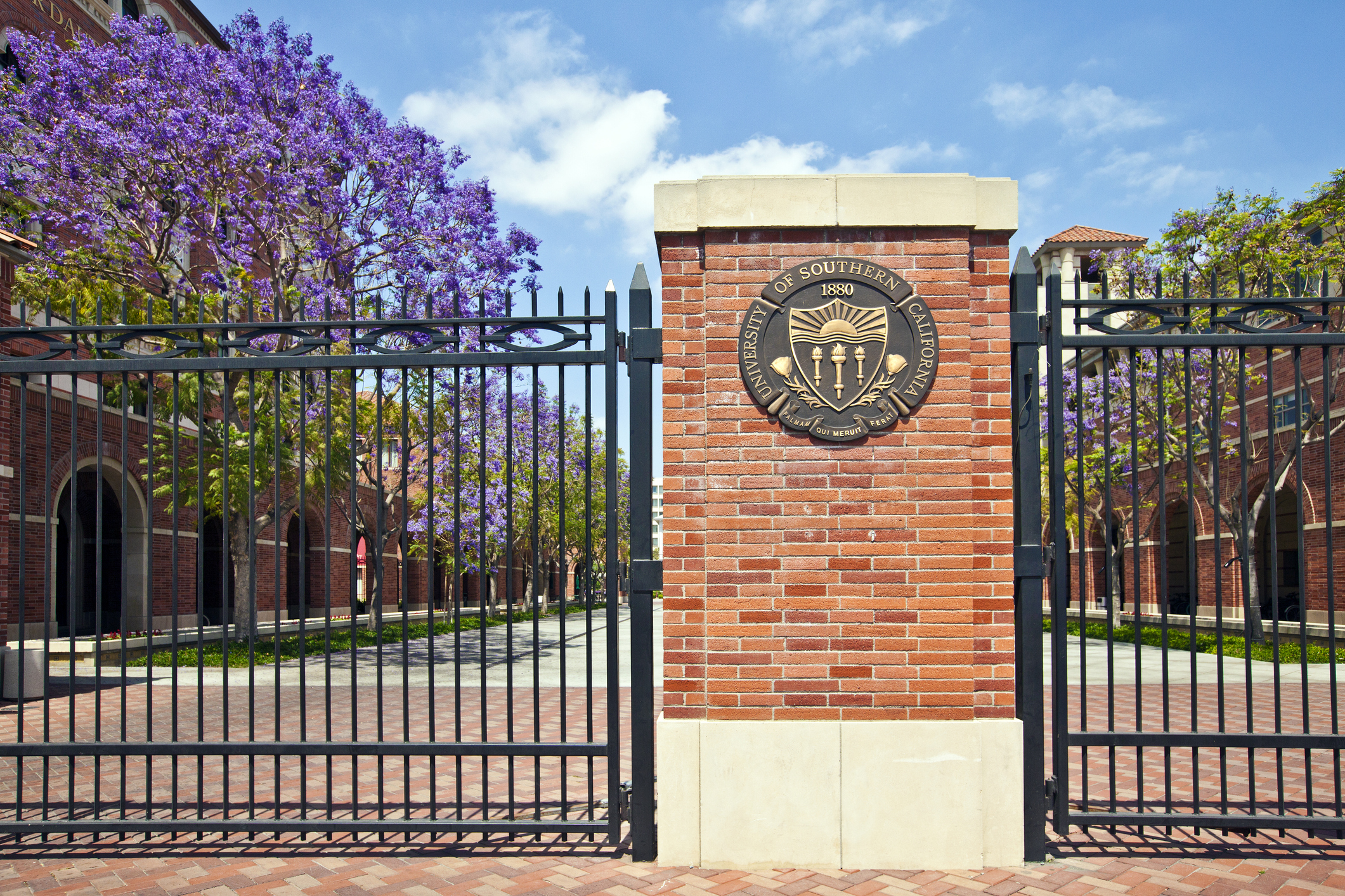 USC, UCLA Take Hardest Line on Students in Admissions