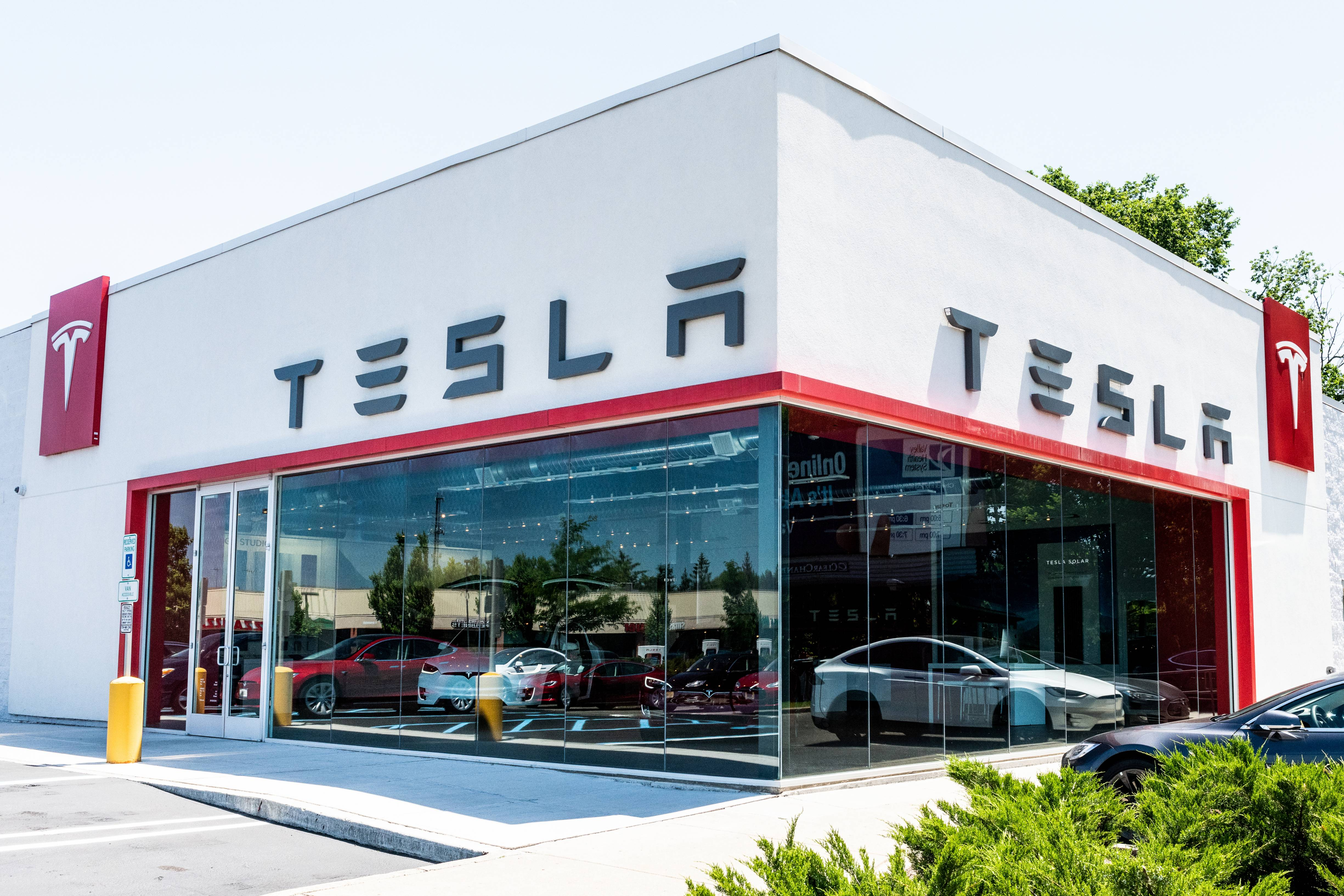 Tesla store in Paramus, New Jersey