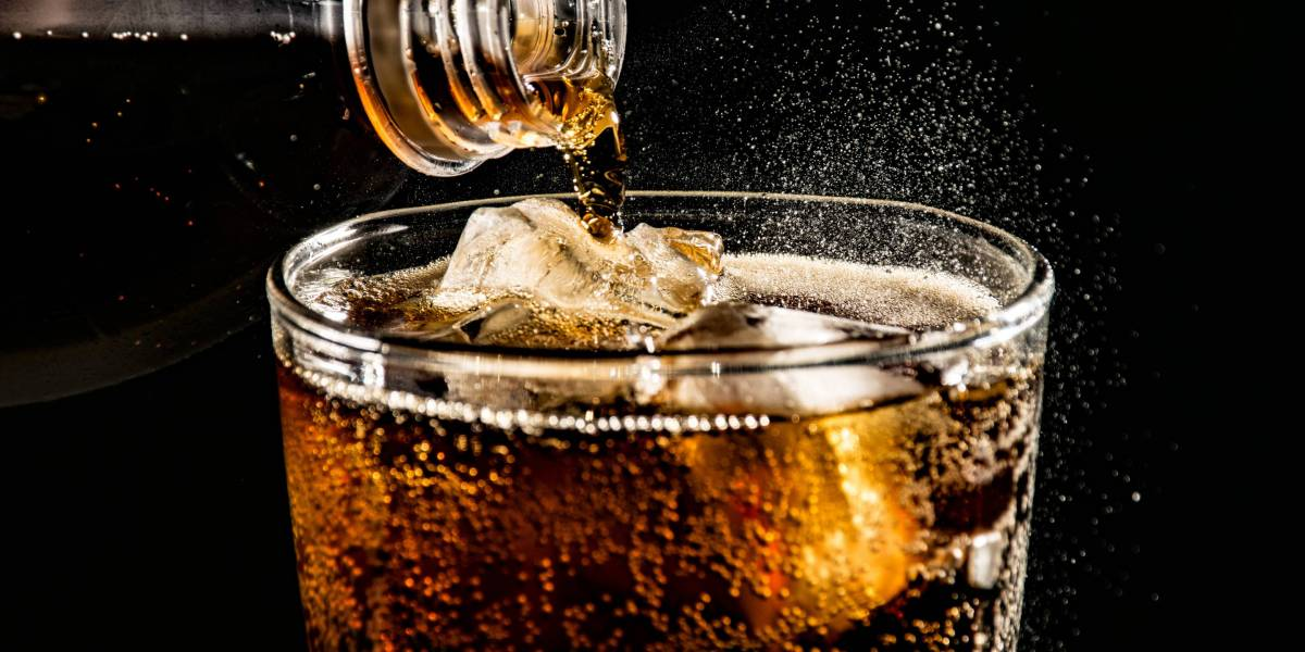 New Harvard Study Links Drinking Sugary Soda and Sports Drinks to Premature Death—Especially for Women