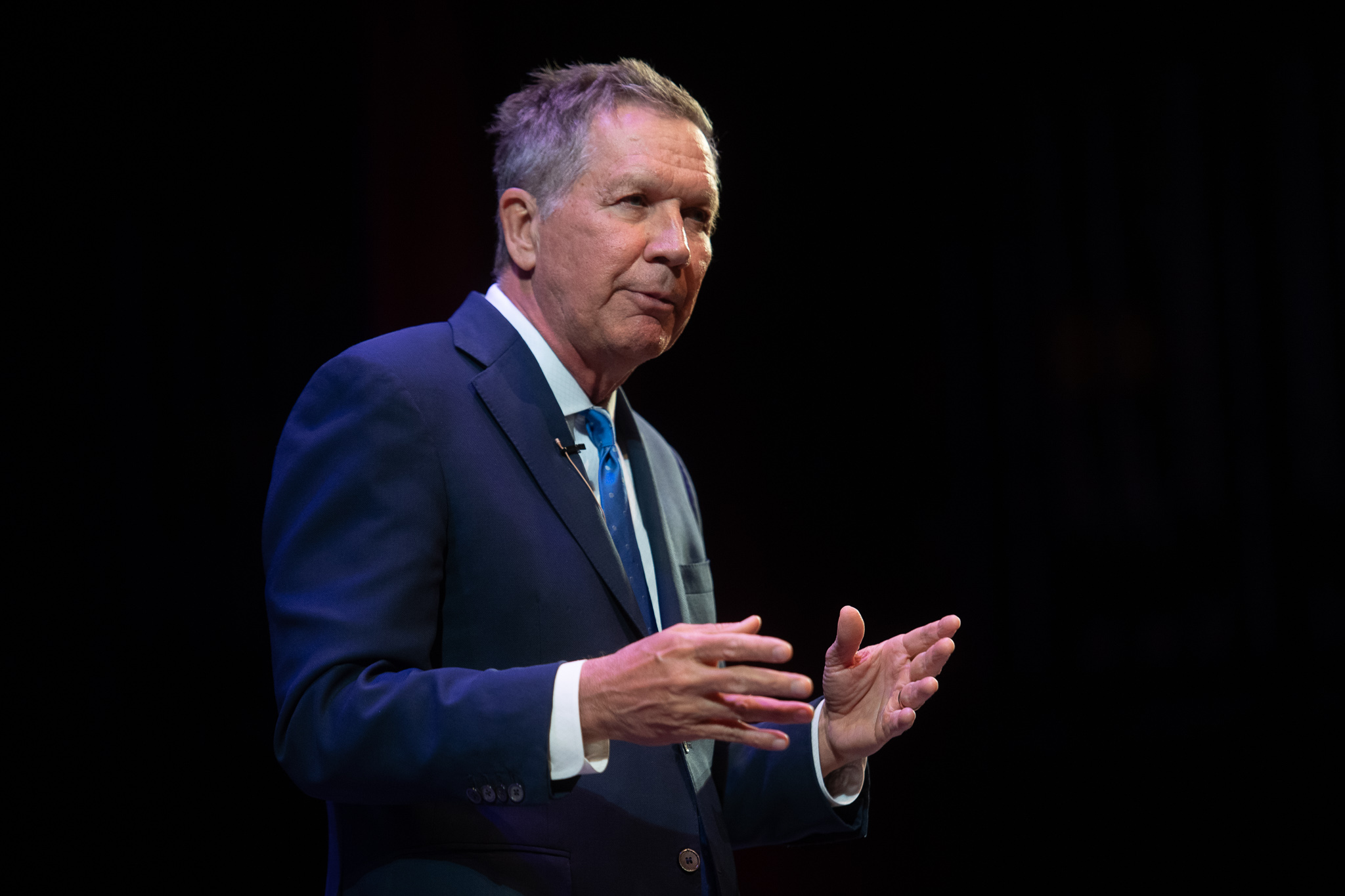 Former Ohio governor John Kasich speaks at Long Island college