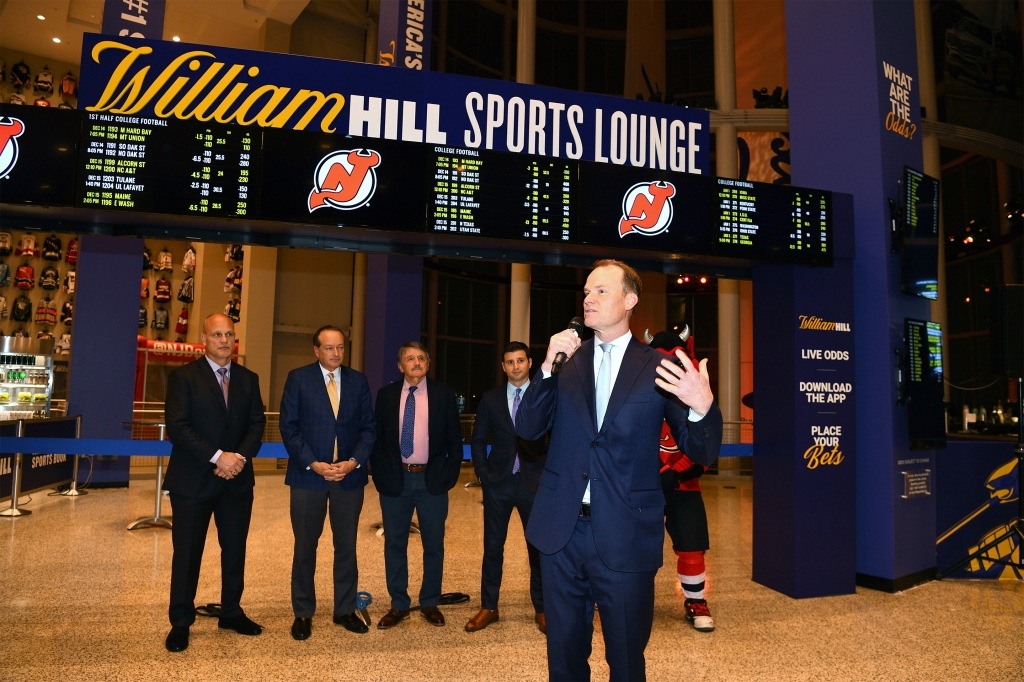 Sports betting-William Hill Sports Lounge Opens At Prudential Center