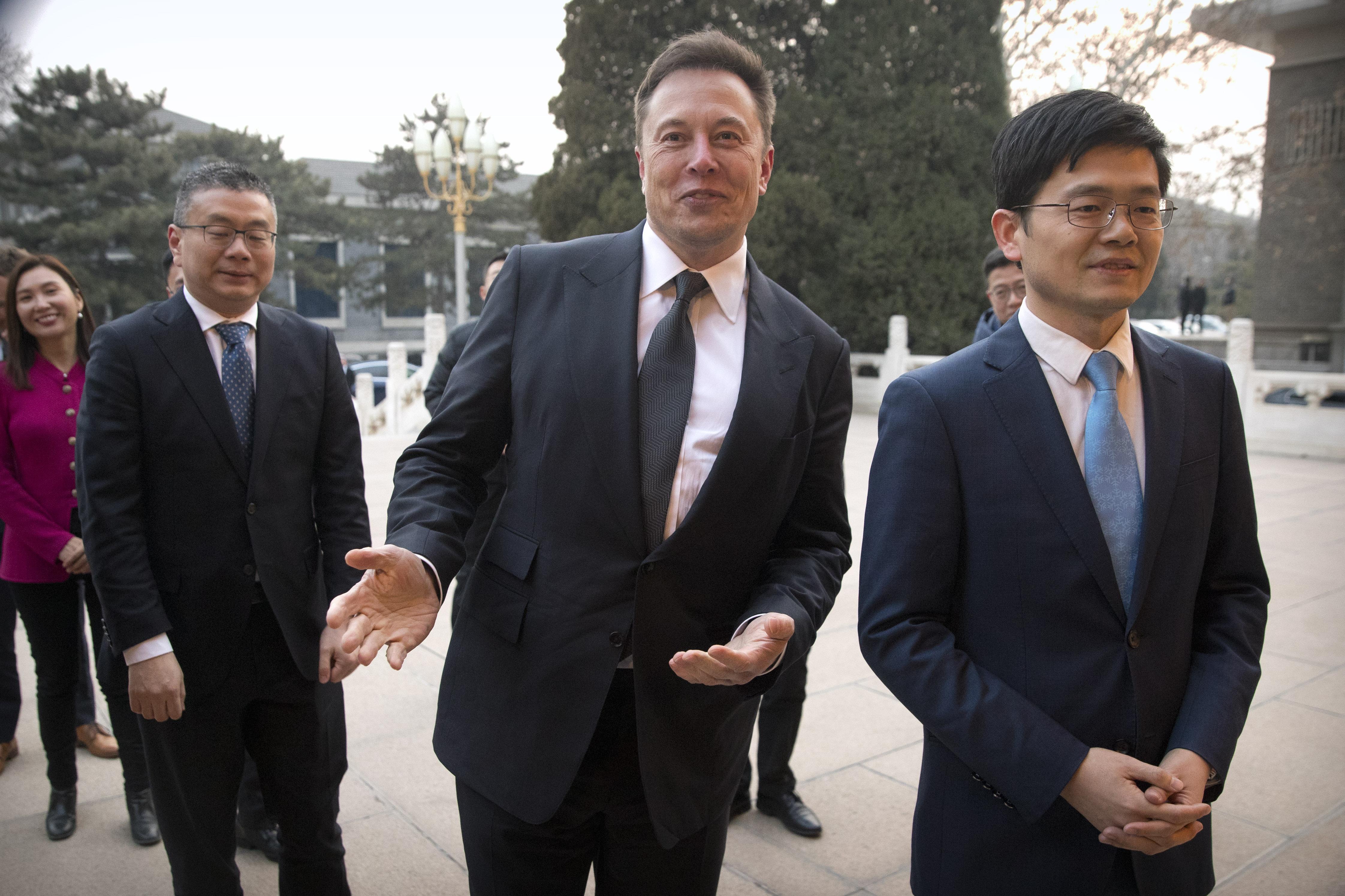 Chinese Premier Li Keqiang Meets Tesla CEO Elon Musk