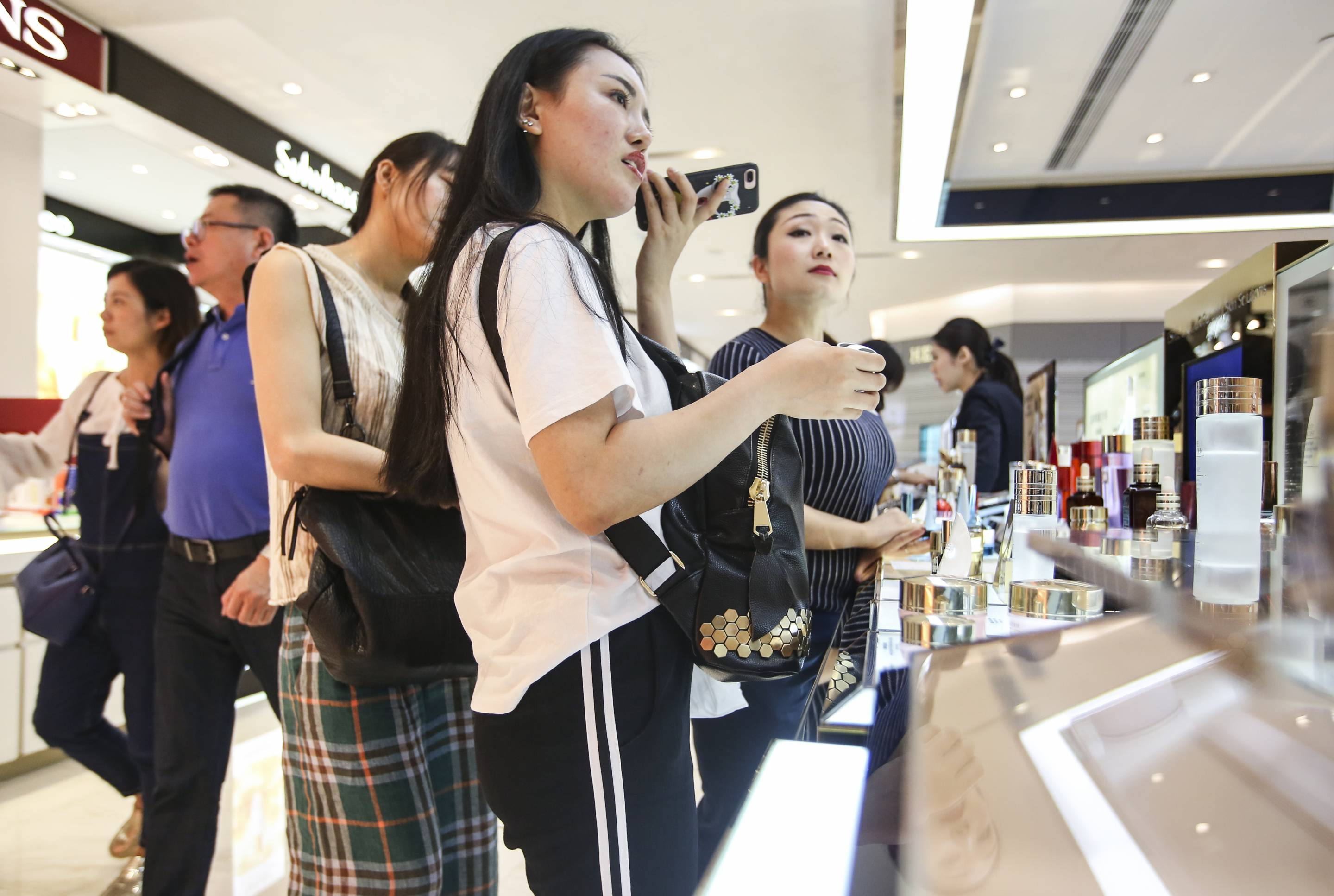 General shots of civilians shopping beauty products at Estee Lauder counter at Sogo in Causeway Bay. 05MAY17 SCMP / Edward Wong